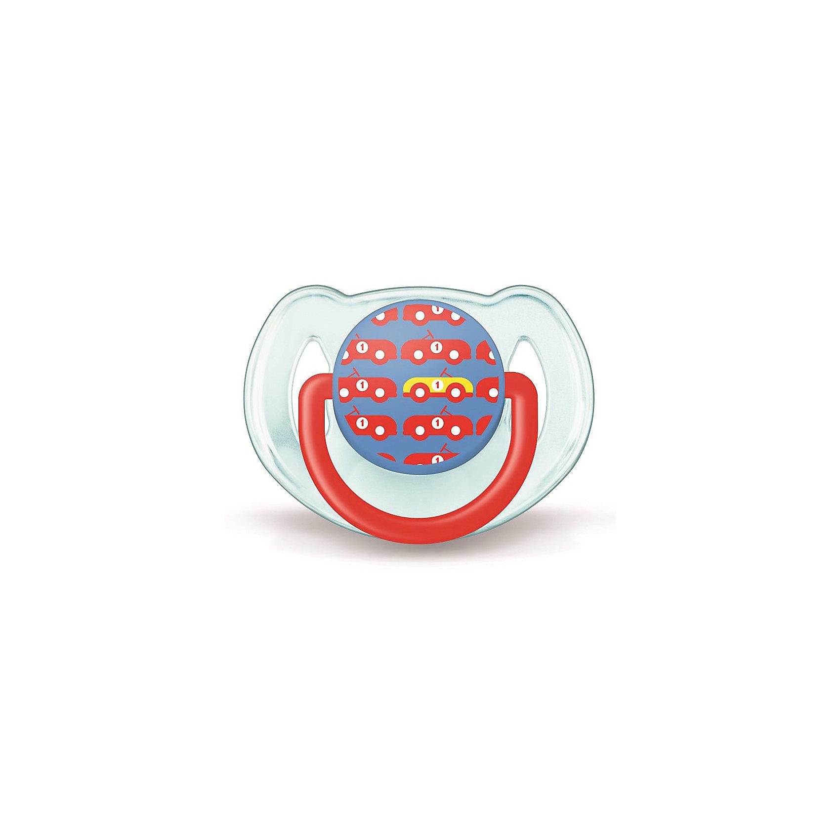 Пустышка Дизайн для мальчика, 6-18 мес., 1 шт., AVENTПустышки из силикона<br>Плоские симметричные соски пустышек Philips AVENT (Авент) каплевидной формы учитывают строение и естественное развитие неба, зубов и десен малыша и гарантируют комфорт, даже если пустышка переворачивается во рту.<br><br>Силиконовые соски пустышек Philips AVENT (Авент) не обладают вкусом и запахом, что делает их наиболее приемлемыми для малыша. Силикон — это мягкий и прозрачный материал, который не липнет и легко моется. Такая соска прочна и прослужит долго, не потеряв со временем форму и цвет.<br><br>Дополнительная информация:<br><br>Ортодонтическая, симметричная съемная соска<br>Можно стерилизовать<br>Можно мыть в посудомоечной машине<br>Предохранительное кольцо-держатель (Позволяет с легкостью вынуть пустышку Philips AVENT (Авент) в любой момент.)<br>Без запаха и вкуса<br>Без бисфенола-А<br><br>В комплекте:<br><br>Силиконовая соска: 1 шт.<br>Защелкивающийся защитный колпачок: 1 шт.<br><br>Ширина мм: 48<br>Глубина мм: 103<br>Высота мм: 115<br>Вес г: 728<br>Возраст от месяцев: 6<br>Возраст до месяцев: 18<br>Пол: Мужской<br>Возраст: Детский<br>SKU: 3288986