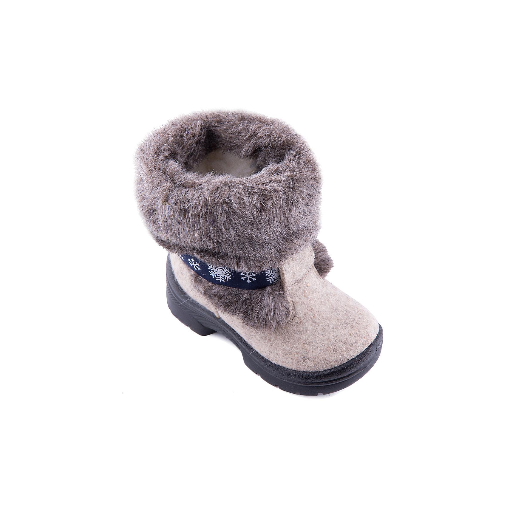 Валенки Алеша для мальчика ФилипокВаленки<br>Характеристики товара:<br><br>• цвет: черный<br>• температурный режим: от -5° С до -30° С<br>• внешний материал: эко-войлок (натуральная шерсть)<br>• подкладка: натуральная овечья шерсть<br>• стелька: шерстяной войлок (3,5 мм)<br>• подошва: литая, полиуретан<br>• декорированы искусственным мехом<br>• подошва с анти скользящей с системой протектора anti slip<br>• защита носка - натуральная кожа с износостойкой пропиткой<br>• усиленная пятка<br>• толстая устойчивая подошва<br>• страна бренда: РФ<br>• страна изготовитель: РФ<br><br>Очень теплые и удобные валенки для ребенка от известного бренда детской обуви Филипок созданы специально для русской зимы. Качественные материалы с пропиткой против попадания воды внутрь и модный дизайн понравятся и малышам и их родителям. Подошва и стелька обеспечат ребенку комфорт, сухость и тепло, позволяя в полной мере наслаждаться зимним отдыхом. Усиленная защита пятки и носка обеспечивает дополнительную безопасность детских ног в этих сапожках.<br>Эта красивая и удобная обувь прослужит долго благодаря отличному качеству. Производитель анти скользящее покрытие и амортизирующие свойства подошвы! Модель производится из качественных и проверенных материалов, которые безопасны для детей.<br><br>Валенки для мальчика от бренда Филипок можно купить в нашем интернет-магазине.<br><br>Ширина мм: 257<br>Глубина мм: 180<br>Высота мм: 130<br>Вес г: 420<br>Цвет: черный<br>Возраст от месяцев: 60<br>Возраст до месяцев: 72<br>Пол: Мужской<br>Возраст: Детский<br>Размер: 29,32,28,30,25,27,26,24,32,31<br>SKU: 3341811