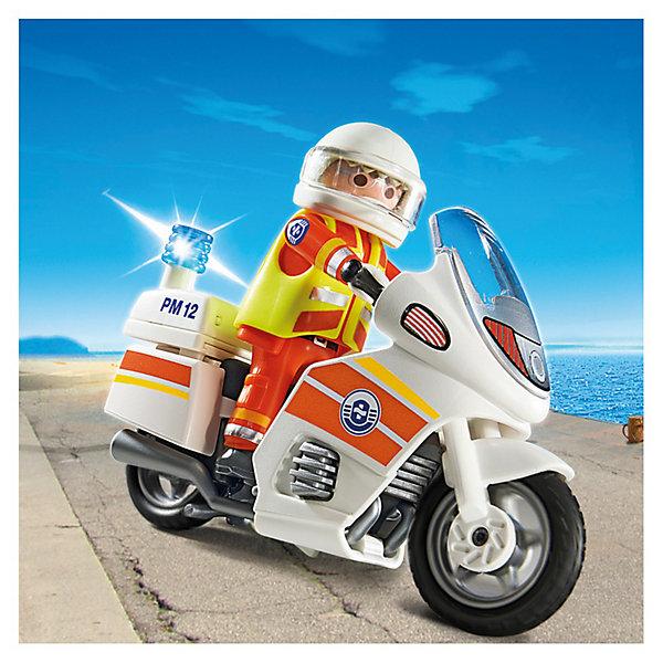 PLAYMOBIL 5544 Береговая охрана: Мотоцикл первой помощи с мигалкойПластмассовые конструкторы<br>Конструктор PLAYMOBIL (Плеймобил) 5544 Береговая охрана: Мотоцикл первой помощи с мигалкой - находка для заботливых родителей! Конструктор Вашего ребенка должен быть именно таким: красочным, безопасным и очень интересным. Серия Береговая охрана посвящена важной работе команды, которая следит за безопасностью судов и пассажиров во вверенной ей акватории. У службы много техники и оборудования с помощью которого они с успехом проводят сложные спасательные операции на воде. Мотоцикл первой помощи с мигалкой вмиг доставит спасателя к месту назначения. Если случилась беда спасатель легко включит мигалку, перекроет движение и домчится до вертолета или лодки. Спасатель всегда готов к вызову: на нем специальный костюм и жилет. С помощью этого замечательного набора Вы сможете с легкостью показать ребенку правила оказания первой помощи. Создай увлекательные сюжеты с набором Мотоцикл первой помощи с мигалкой или объедини его с другими наборами серии и игра станет еще интереснее. Придумывая замечательные сюжеты с деталями конструктора, Ваш ребенок развивает фантазию, учится заботе и просто прекрасно проводит время!<br><br>Дополнительная информация:<br><br>- Конструкторы PLAYMOBIL (Плеймобил) отлично развивают мелкую моторику, фантазию и воображение;<br>- В наборе: минифигурка спасателя, мотоцикл, аксессуары;<br>- Количество деталей: 5 шт;<br>- Материал: безопасный пластик;<br>- Для работы требуются 3 батарейки 1,5V (нет в комплекте);<br>- Размер минифигурки: 7,5 см;<br>- Размер упаковки: 15 х 5 х 15 см<br><br>Конструктор PLAYMOBIL (Плеймобил) 5544 Береговая охрана: Мотоцикл первой помощи с мигалкой можно купить в нашем интернет-магазине.<br><br>Ширина мм: 155<br>Глубина мм: 154<br>Высота мм: 55<br>Вес г: 122<br>Возраст от месяцев: 48<br>Возраст до месяцев: 120<br>Пол: Мужской<br>Возраст: Детский<br>SKU: 3350648