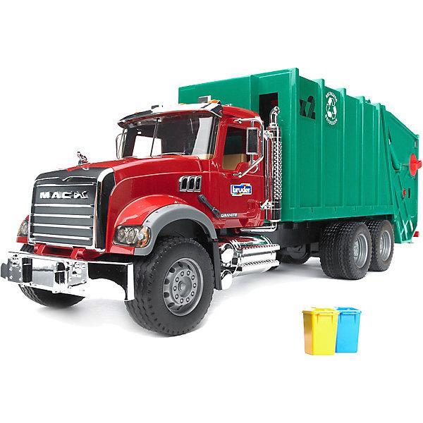 Мусоровоз MACK, BruderИдеи подарков<br>Мусоровоз MACK от Bruder (Брудер) полностью имитирует внешний вид и функциональные возможности реальной грузовой машины. Автотехника Брудер отличается высоким качеством исполнения и проработкой всех деталей и представляет для ребенка большую познавательную ценность.<br><br>Кабина водителя мусоровоза от МАК оборудована вращающимся рулем (не влияет на управление), открывающимися дверями и складными зеркалами. Капот открывается, предоставляя доступ к  двигателю. Кузов машины состоит из двух отсеков для мусора. Задний отсек поднимается вручную с помощью телескопического механизма на 45°. На крыше кузова есть ручка, которая управляет выгрузкой мусора. Машина оснащена подъемником для мусорных корзин, который высыпает мусор в задний отсек контейнера. Мусорные баки, входящие в комплект, можно закрепить на подъемном механизме с помощью держателя, крышки баков открываются. <br>Игрушка украшена хромированными элементами - бампером, радиатором, баком, козырьком, поручнями, зеркалами, выхлопной трубой. Колёса мусоровоза резиновые с протекторами, что обеспечивает тихий ход машины и сохранность напольного покрытия.<br><br>Дополнительная информация:<br><br>- Масштаб: 1:16.<br>- Материал: высококачественный пластик, резина. <br>- Размер машины: 69,7 x 18,5 x 26,5 см. <br>- Размер упаковки: 18,5 х 69,7 х 26,5 см.<br>- Вес: 2 кг.<br><br>Мусоровоз MACK, Bruder (Брудер) можно купить в нашем интернет-магазине.<br><br>Ширина мм: 710<br>Глубина мм: 205<br>Высота мм: 290<br>Вес г: 3006<br>Возраст от месяцев: 36<br>Возраст до месяцев: 84<br>Пол: Мужской<br>Возраст: Детский<br>SKU: 3361297