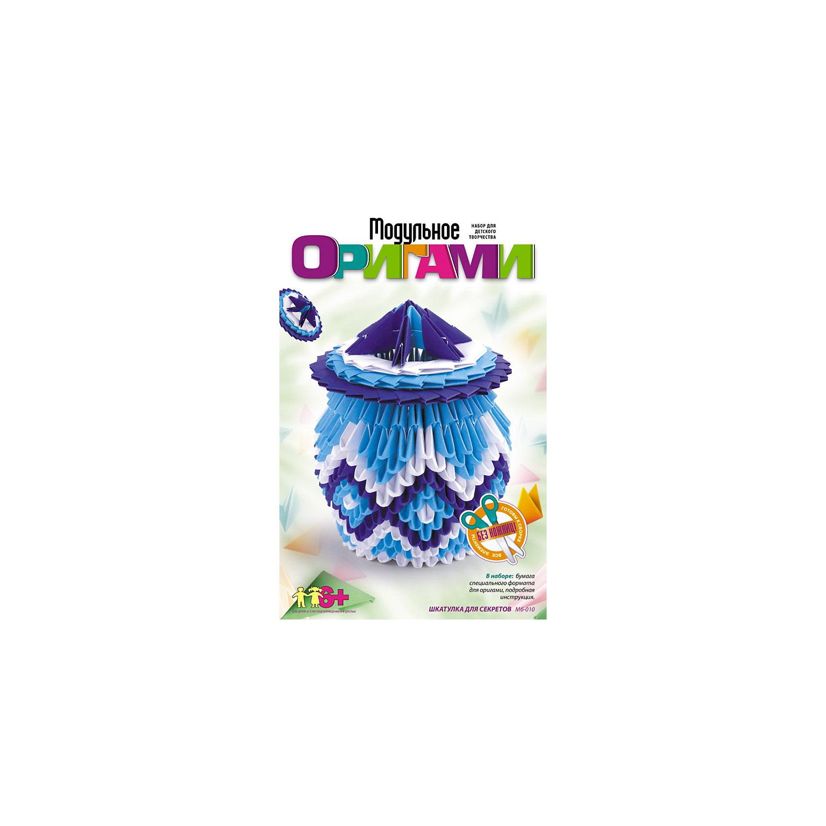 Модульное оригами Шкатулка для секретов, LORIБумага<br>Модульное оригами Шкатулка для секретов, LORI станет самым интересным занятием для Вашего малыша!<br>Объемные фигуры из бумаги всегда смотрятся очень красиво и необычно. Наборы из серии «Модульное оригами» предлагают изучить эту удивительную технику. Более простая по сравнению с классическим оригами, она в то же время является очень увлекательным занятием, которое понравится не только детям, но и взрослым. <br>Занятия с данным набором способствуют развитию внимания, памяти, пространственного и образного мышления, развивают мелкую моторику, воспитывают терпение и аккуратность.<br><br>Дополнительная информация:<br><br>Размер: 210х135х33 мм.<br><br>Вес: 227 г.<br><br>Станет прекрасным развивающим подарком Вашему малышу!<br>Легко купить в нашем интернет-магазине!<br><br>Ширина мм: 210<br>Глубина мм: 135<br>Высота мм: 33<br>Вес г: 227<br>Возраст от месяцев: 72<br>Возраст до месяцев: 144<br>Пол: Унисекс<br>Возраст: Детский<br>SKU: 3376574
