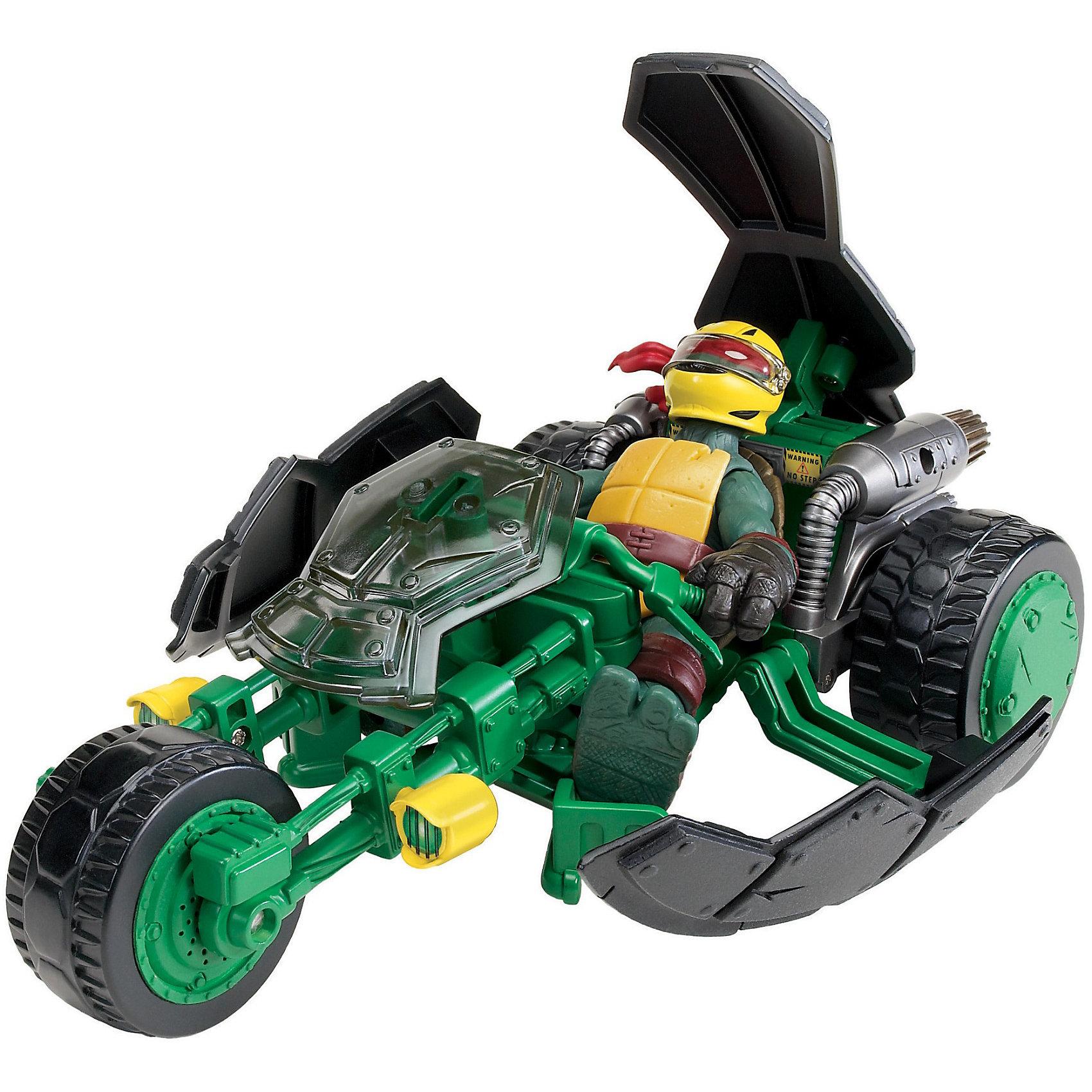 Трицикл с фигуркой, Черепашки НиндзяБоевой мотоцикл «Стэлс» или «Невидимка» с эксклюзивной фигуркой Черепашки-ниндзя  Рафаэля.  <br>Мотоцикл трансформируется из невидимого режима, в боевой, одним нажатием на панцирь.<br>Мотоцикл трехколесный, колеса  вращаются.<br>Фигурка мутанта Черепашки-ниндзя  Рафаэля имеет шарнирное устройство конечностей и при игре, можно фиксировать нужное положение.<br>В трицикл можно посадить фигурки  Черепашек-ниндзя Микеланджело, Рафаэля, Леонардо и Донателло, артикулы:  90501, 90502, 90503, 90504.<br><br>Оставайтесь невидимыми за рулем боевого мотоцикла на улицах ночного города!<br><br>Дополнительная информация:<br><br>- В комплекте: Боевой мотоцикл «Стэлс», фигурка Рафаэля<br>- Высота фигурки: 11 см<br>- Размер мотоцикла(ДхШхВ):  22 х 12 х 7 см <br>- Размер упаковки (ДхШхВ): 33,5 х 11 х 19 см.<br>- Материал: Пластик<br>- Вес: 0,873 кг.<br><br>«Трицикл с фигуркой, Черепашки Ниндзя» (Ninja Turtles) можно купить в нашем интернет-магазине.<br><br>Ширина мм: 335<br>Глубина мм: 110<br>Высота мм: 195<br>Вес г: 873<br>Возраст от месяцев: 48<br>Возраст до месяцев: 132<br>Пол: Мужской<br>Возраст: Детский<br>SKU: 3377413