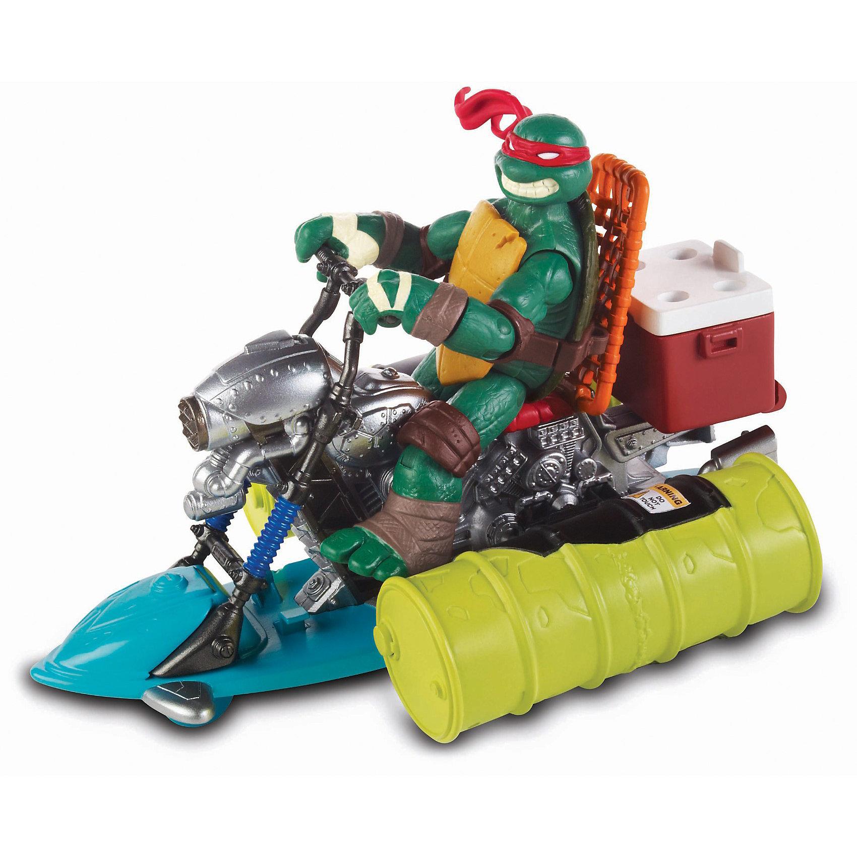 Гидроцикл Черепашки НиндзяИгрушки<br>Гидроцикл «Черепашек-ниндзя»  - игровой набор боевой гидроцикл  для атаки врага на  воде.<br>С помощью  гидроцикла, «Черепашки-ниндзя» (Ninja Turtles) могут  настичь неприятеля на воде.<br>На водительском сиденье можно расположить одну из фигурок «Черепашек Ниндзя»  12см.<br>За сиденьем  гидроцикла  находится специальный ящик, который можно наполнить  мутагеном - это боевой раствор, на основе мыльной воды зелёного цвета (продается отдельно). С помощью лёгкого движения руки, ящик  можно опрокинуть  и  мутаген окажется на воде - враги повержены!<br>Гидроцикл,  по настоящему, держится на воде, что придаёт игре ещё большую реалистичность.  <br>Игровой набор развивает фантазию, воображение, а также умение создать ролевую игру на основе сюжетов из любимого мультсериала.<br>Гидроцикл «Черепашек-Ниндзя» продаётся  в яркой и красивой упаковке.<br><br>Теперь врагам не уйти!<br><br>Дополнительная информация:<br><br>- Размер  гидроцикла (ВхДхШ): 10х18х14 см. <br>- Вес: 0,322 кг.<br>- Материал: Пластик<br>- Фигурки-игрушки «Черепашек-ниндзя» в комплект не входят и приобретаются отдельно. <br><br>«Гидроцикл, Черепашки Ниндзя» можно купить в нашем интернет-магазине.<br><br>Ширина мм: 250<br>Глубина мм: 70<br>Высота мм: 190<br>Вес г: 325<br>Возраст от месяцев: 48<br>Возраст до месяцев: 132<br>Пол: Мужской<br>Возраст: Детский<br>SKU: 3377417