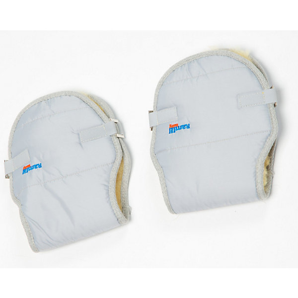 Меховая муфта для рук Ramili Mite Grigio ChiaroАксессуары для колясок<br>Раздельная муфта для рук из натуральной медицинской овчинки состоит из двух частей: для левой и правой руки. Именно поэтому ее можно использовать во время прогулок и с коляской-люлькой, и с прогулочной коляской.<br><br>Муфта изготовлена из натуральной медицинской овчинки. В процессе производства такой овчинки не используется хром и прочие тяжелые металлы, благодаря чему овчинка не вызывает аллергии. Овчина – натуральный природный утеплитель, обладающий уникальными свойствами, которые позволяют использовать ее при уходе за новорожденными. Овчинка отлично защищает от холода, хорошо впитывает лишнюю влагу, обеспечивает микроциркуляцию воздуха.<br><br>Муфта для рук для коляски Ramili Mite – это изделие, которое изготовлено в соответствии с высокими стандартами качества торговой  марки Ramili, поэтому муфта удобно сидит на руке, отлично сохраняет тепло, отличается высоким качеством швов и покроя.<br><br>Внутри муфты нежным женским рукам очень тепло и уютно даже в самый сильный мороз. Муфта крепится к ручке коляски люльки или прогулочной коляске. Нет необходимости каждый раз снимать или одевать муфту, достаточно закрепить её на ручке коляски один раз.<br><br>Дополнительная информация:<br><br>- Изделие соответствует высоким стандартам качества торговой марки Ramili.<br>- Муфта для рук надежно сохраняет тепло и не позволяет рукам вспотеть благодаря натуральному утеплителю.<br>- Внешнее покрытие муфты – влагостойкая ткань.<br>- Легко крепится на ручке любой коляски.<br>- Оснащена застежками на липучке, благодаря которым, по желанию, муфту можно затянуть слабее или сильнее.<br>- Используется натуральная медицинская овчинка. <br>- Выдерживает даже самые сильные российские морозы.<br>- Цвет: светло-серый.<br><br>Меховая муфта для рук Ramili Mite Grigio Chiaro можно купить в нашем интернет-магазине.<br><br>Ширина мм: 900<br>Глубина мм: 600<br>Высота мм: 200<br>Вес г: 500<br>Возраст от месяцев: -2147483648<b