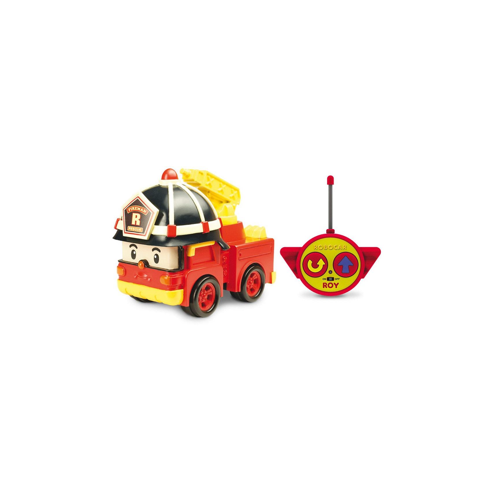 Игрушка Рой на радиоуправлении, 15см, Робокар ПолиМашинки и транспорт для малышей<br>Игрушка Рой на радиоуправлении, 15см, Робокар Поли (Robocar Poli) - радиоуправляемая машинка-спасатель, пожарная машина-робот Рой из полюбившегося мультсериала «Робокар Полли и его друзья» . <br>Рой живет в удивительном городке Брумстаун, где все машинки умеют говорить! <br>Рой необыкновенно добрый малый  и как только слышит сигнал о пожаре, готов в любую минуту броситься на помощь попавшему в беду жителю города!<br>Сюжетно-ролевые игры с использованием радиоуправляемых машинок от компании Silverlit способствуют развитию воображения и пространственного мышления, мелкой моторики рук вашего ребенка, формируют грамотную речь.<br><br>Дополнительная информация:<br><br>- высота игрушки 15 см<br>- размер упаковки: 0,26х0,14х0,15м<br>- вес: 0,5 кг.<br>- машина-спасатель приводится в движение при помощи пульта дистанционного управления с удобными крупными кнопками (вперед и разворот).<br>- пожарный кран у машины подвижный.<br>- комплект: игрушка, пульт дистанционного управления.<br>- тип батареек: 3 х АА, 1 х 9V тип Крона (не входят в комплект).<br>- игрушка выполнена из высококачественного пластика. <br><br>Игрушку  Рой на радиоуправлении, 15см, Робокар Поли (Robocar Poli) можно купить в нашем магазине.<br><br>Ширина мм: 260<br>Глубина мм: 150<br>Высота мм: 140<br>Вес г: 500<br>Возраст от месяцев: 36<br>Возраст до месяцев: 84<br>Пол: Мужской<br>Возраст: Детский<br>SKU: 3439337
