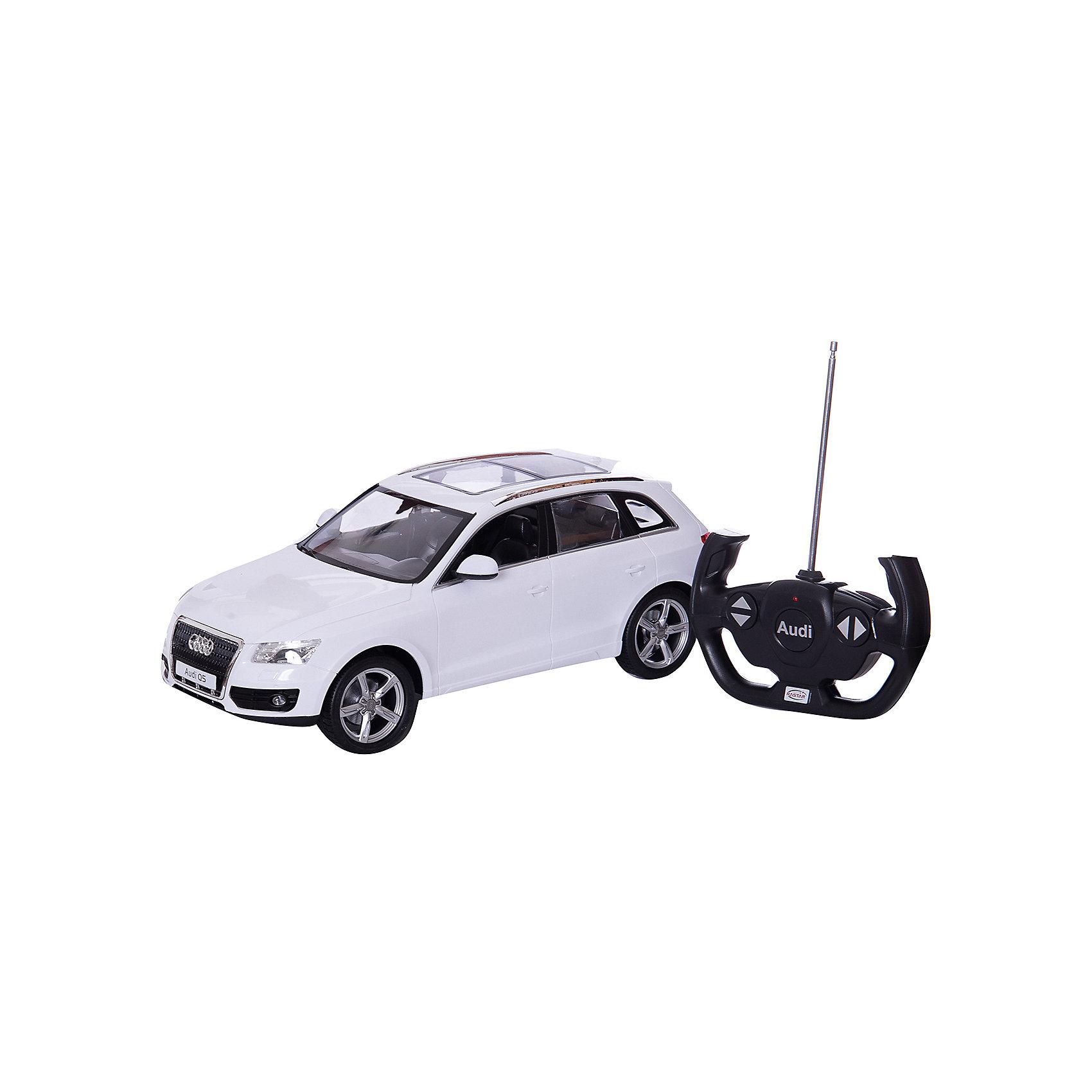 Машина AUDI Q5 1:14, свет, на р/у, RASTARКоллекционные модели<br>Радиоуправляемая машина AUDI Q5 — это точная копия автомобиля известной марки, выполненной в масштабе 1:14, производителя RASTAR.<br>С помощью пульта управления машинка двигается вперед-назад, вправо-влево. При движении вперед, у машинки загораются фары. При движении назад - загораются стоп-сигналы.<br><br>С радиоуправляемым автомобилем  AUDI Q5 игра станет настолько увлекательной, что оторваться будет невозможно!<br><br>Дополнительная информация:<br><br>- Пульт радиоуправления на частоте 27MHz.<br>- Материал: высококачественная пластмасса<br>- Размеры(ДхШхВ): 22 x 45 x 20 см<br>- Батарейки: 5 х АА, 1 х «Крона», в комплект не входят<br>- Вес: 1,55 кг<br><br>Машину AUDI Q5 1:14, свет, на р/у, RASTAR можно купить в нашем интернет-магазине.<br><br>Ширина мм: 220<br>Глубина мм: 450<br>Высота мм: 200<br>Вес г: 1550<br>Возраст от месяцев: 36<br>Возраст до месяцев: 1188<br>Пол: Мужской<br>Возраст: Детский<br>SKU: 3482936