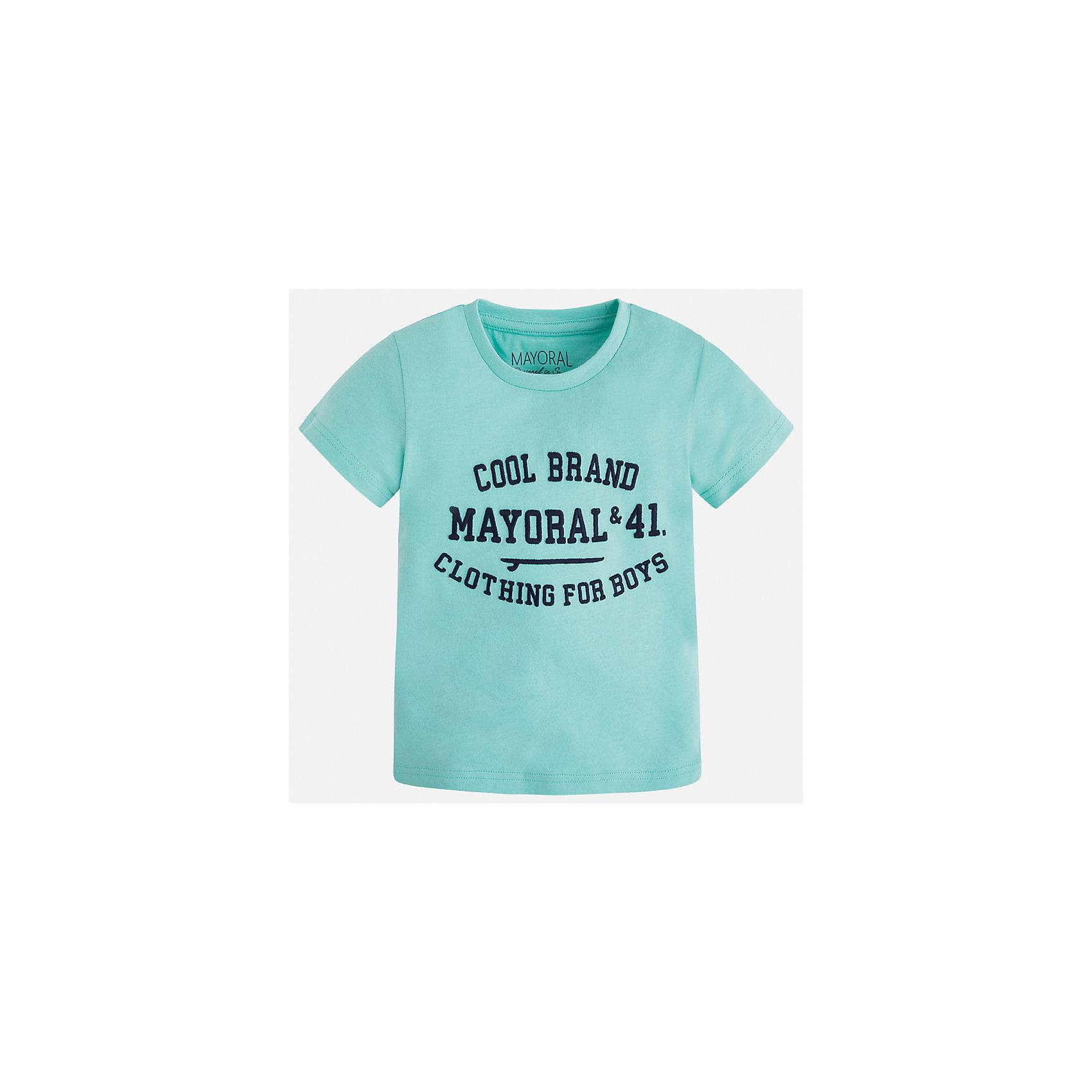 Футболка для мальчика MayoralФутболки, поло и топы<br>Характеристики товара:<br><br>• цвет: зеленый<br>• состав: 100% хлопок<br>• круглый горловой вырез<br>• принт впереди<br>• короткие рукава<br>• декорирована принтом<br>• страна бренда: Испания<br><br>Стильная футболка с принтом поможет разнообразить гардероб мальчика. Она отлично сочетается с брюками, шортами, джинсами и т.д. Универсальный крой и цвет позволяет подобрать к вещи низ разных расцветок. Практичное и стильное изделие! В составе материала - только натуральный хлопок, гипоаллергенный, приятный на ощупь, дышащий.<br><br>Одежда, обувь и аксессуары от испанского бренда Mayoral полюбились детям и взрослым по всему миру. Модели этой марки - стильные и удобные. Для их производства используются только безопасные, качественные материалы и фурнитура. Порадуйте ребенка модными и красивыми вещами от Mayoral! <br><br>Футболку для мальчика от испанского бренда Mayoral (Майорал) можно купить в нашем интернет-магазине.<br><br>Ширина мм: 199<br>Глубина мм: 10<br>Высота мм: 161<br>Вес г: 151<br>Цвет: голубой<br>Возраст от месяцев: 18<br>Возраст до месяцев: 24<br>Пол: Мужской<br>Возраст: Детский<br>Размер: 92,110,134,128,122,116,104,98<br>SKU: 3516059