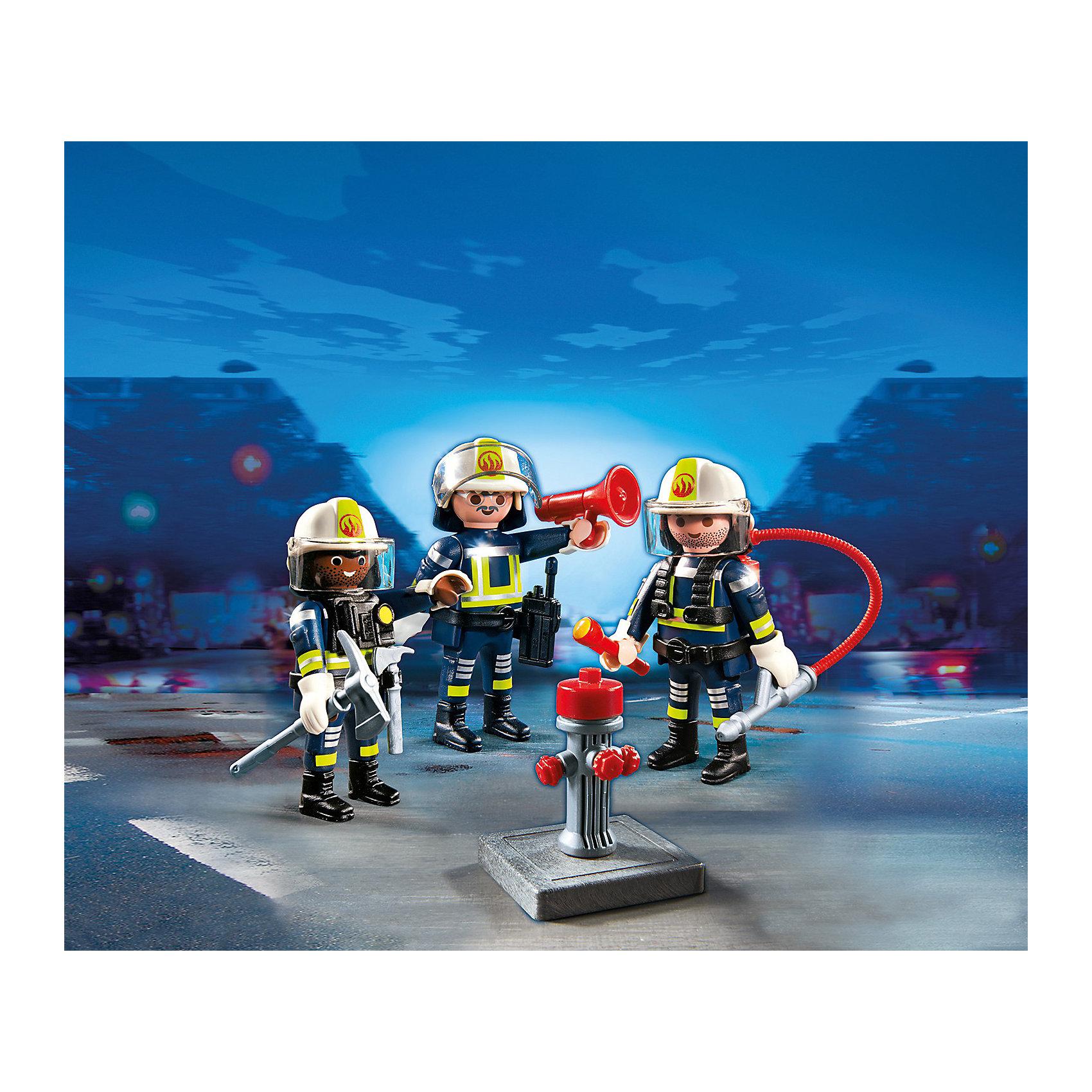 Команда пожарников, PLAYMOBILПластмассовые конструкторы<br>Конструктор PLAYMOBIL (Плеймобил) 5366 Пожарная служба: Команда пожарников - находка для заботливых родителей! Конструктор Вашего ребенка должен быть именно таким: красочным, безопасным и очень интересным. Серия Пожарная служба специально создана для малышей которые не боятся опасности и мечтают помогать другим людям. Пожарные - самая отважная профессия! Настоящий пожарный должен быть смелым, сильным и очень ловким. В наборе Команда пожарников ребенок найдет фигурки трех пожарных, одетых в специальную форму, каски и перчатки. С помощью огнетушителя пожарные могут ликвидировать небольшие возгорания, а если пожар большой, можно воспользоваться пожарным гидрантом. Пожарные обязательно проверяют горящее здание и выводят из него людей. Для этого у отважной команды есть фонарик и топорик, чтобы проложить себе путь между обломками здания. Ну а когда операция по спасению благополучно закончена нужно сообщить о проделанной работе по рации. Создай интересные сюжеты с набором Команда пожарников или объедини его с другими наборами серии и игра станет еще интереснее. Придумывая замечательные сюжеты с деталями конструктора, Ваш ребенок развивает фантазию, учится заботе и просто прекрасно проводит время!<br><br>Дополнительная информация:<br><br>- Конструкторы PLAYMOBIL (Плеймобил) отлично развивают мелкую моторику, фантазию и воображение;<br>- В наборе: 3 минифигурки, огнетушитель, брандспойт, кирка, топорик, фонарик, громкоговоритель, рация;<br>- Количество деталей: 31 шт;<br>- Материал: безопасный пластик;<br>- Размер минифигурок: 7,5 см;<br>- Размер упаковки: 15 х 15 х 5,2 см;<br>- Вес: 118 г<br><br>Конструктор PLAYMOBIL (Плеймобил) 5366 Пожарная служба: Команда пожарников можно купить в нашем интернет-магазине.<br><br>Ширина мм: 153<br>Глубина мм: 152<br>Высота мм: 53<br>Вес г: 127<br>Возраст от месяцев: 60<br>Возраст до месяцев: 120<br>Пол: Мужской<br>Возраст: Детский<br>SKU: 3536839