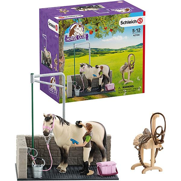Набор для мойки лошадей, SchleichМир животных<br>Набор для мойки лошадей, Schleich (Шляйх) станет прекрасным подарком для всех юных любителей грациозных животных и отличным дополнением к другим игровым наборам данной серии. Теперь Вы сможете ежедневно совершать водные процедуры для своих лошадок и заботиться об их красоте и здоровье. В набор входит удобное стойло с ковриком, где будет комфортно располагаться лошадка и различные аксессуары для ухода за ней: щетка, скребок, ведро и другие. К стенке стойла прикреплено кольцо, к которому можно привязать лошадку. Седло и уздечку во время процедур можно положить на специальную подставку. Все детали изготовлены из качественного каучукового пластика, который безопасен для детей, приятны на ощупь, раскрашены вручную и имеют оригинальную текстуру, повторяющую образ реальных предметов.<br><br>Дополнительная информация:<br><br>- В комплекте: стойло для мытья лошади, подставка под седло, фигурка лошади, фигурка девушки, скребок, щетка, седло и уздечка, недоуздок, ведро.<br>- Материал: каучуковый пластик.<br>- Размер упаковки: 19 х 17,3 х 11 см. <br>- Вес: 0,4 кг.<br><br>Набор для мойки лошадей, Schleich (Шляйх) можно купить в нашем интернет-магазине.<br><br>Ширина мм: 192<br>Глубина мм: 175<br>Высота мм: 109<br>Вес г: 408<br>Возраст от месяцев: 36<br>Возраст до месяцев: 96<br>Пол: Женский<br>Возраст: Детский<br>SKU: 3539478