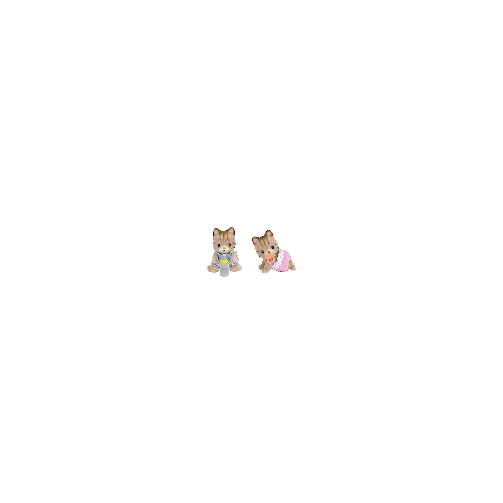 Набор Бельчата-двойняшки (новая версия), Sylvanian FamiliesSylvanian Families<br>Набор Бельчата-двойняшки (новая версия), Sylvanian Families (Сильваниан Фэмилис) - прекрасный набор, состоящий из двух маленьких бельчат. Две сестренка - одна в белом платьице, а другая - в розовых штаниках - озорные непоседы- двойняшки, которые любят играть и веселиться вместе. В комплект к фигуркам входят маленькая бутылочка и пустышка. Все детали игрушек отлично проработаны и выполнены из высококачественного материала. Этот набор прекрасно развивает мелкую моторику и фантазию ребенка.<br><br>Дополнительная информация:<br><br>- Материал: пластик,  ПВХ с полимерным напылением, текстиль<br>- Размер: 3.5 см<br>- Комплектация: две фигурки, бутылочка, пустышка.<br>- Подвижные головы у фигурок<br><br>Набор Бельчата-двойняшки (новая версия), Sylvanian Families (Сильваниан Фэмилис) можно купить в нашем магазине.<br><br>Ширина мм: 119<br>Глубина мм: 78<br>Высота мм: 40<br>Вес г: 38<br>Возраст от месяцев: 36<br>Возраст до месяцев: 72<br>Пол: Женский<br>Возраст: Детский<br>SKU: 3549189