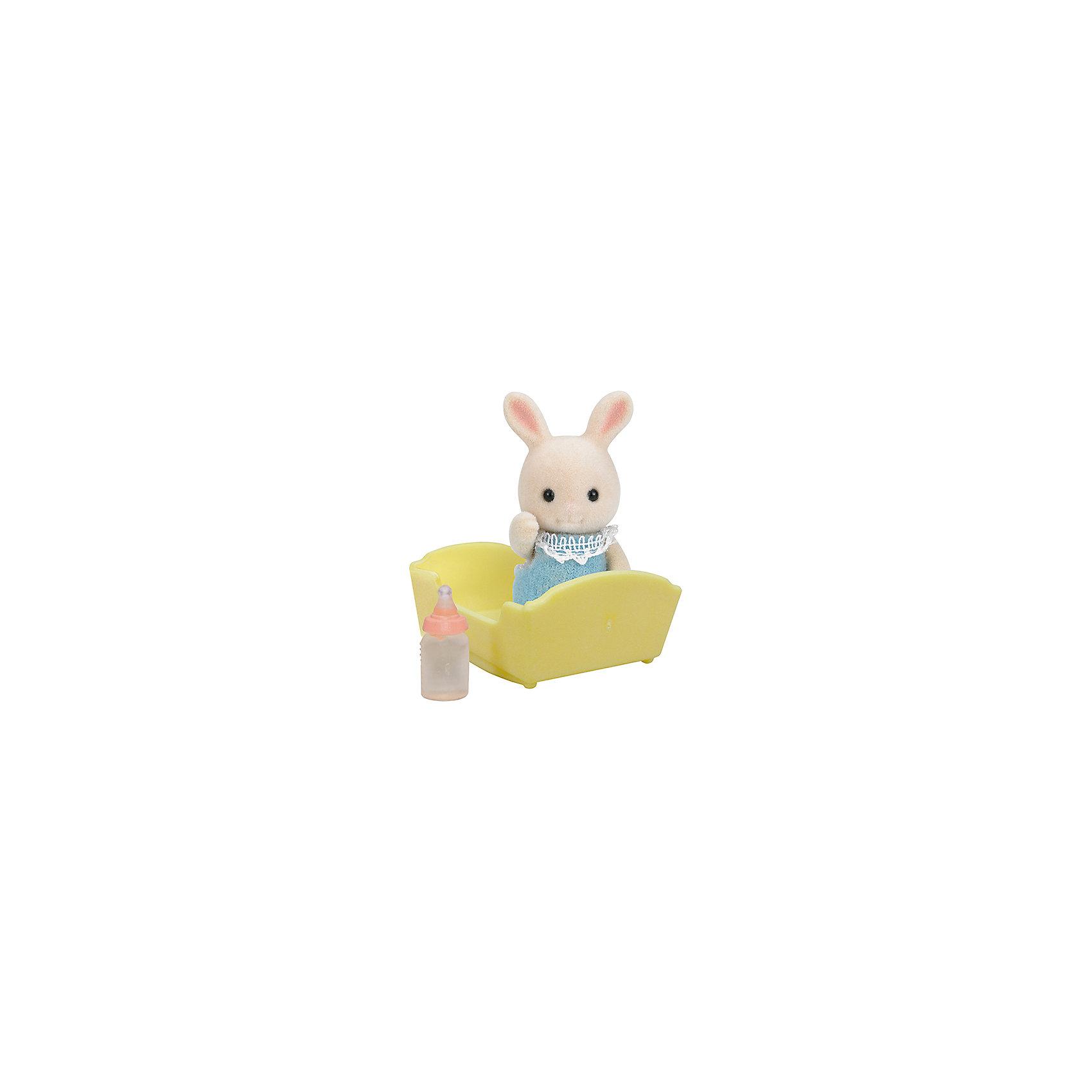 Набор Малыш Молочный Кролик, Sylvanian FamiliesSylvanian Families<br>Набор Малыш Молочный Кролик, Sylvanian Families (Сильваниан Фэмилис). Маленький кролик ищет себе настоящих и верных  друзей. Очаровательный малыш обязательно станет другом вашему ребенку. Он одет в мягкий голубой комбинезон на липучке. Кролик любит, чтобы по вечерам его укладывали спать в колыбельку и давали попить из бутылочки. Фигурка выполнена из гипоаллергенного приятного материала. Игрушка развивает мелкую моторику и фантазию. <br><br>Дополнительная информация:<br><br>- Материал: текстиль, ПВХ с полимерным наполнением, пластмасса<br>- Размер фигурки: 3.5 см<br>- Комплектация: фигурка, колыбель, бутылочка.<br><br>Набор Малыш Молочный Кролик, Sylvanian Families (Сильваниан Фэмилис) можно купить в нашем магазине.<br><br>Ширина мм: 119<br>Глубина мм: 75<br>Высота мм: 39<br>Вес г: 35<br>Возраст от месяцев: 36<br>Возраст до месяцев: 72<br>Пол: Женский<br>Возраст: Детский<br>SKU: 3549196