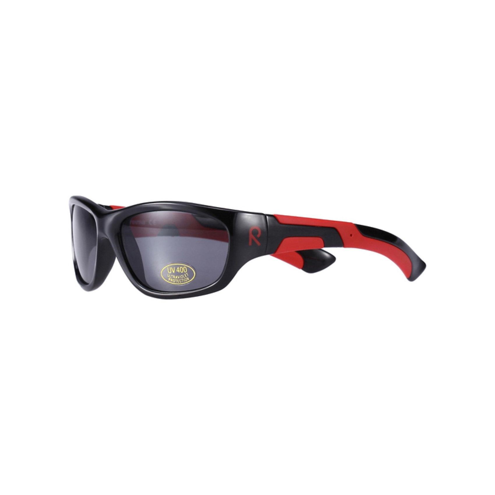 Солнцезащитные очки для мальчика ReimaОдежда<br>Солнцезащитные очки Laine от Reima (Рейма).<br><br>Стильные солнцезащитные очки для детей от 7 лет. Отличная цветовая гамма и полная защита!<br><br>Дополнительная информация:<br><br>- УФА + УФВ защита<br>- Европейский сертификат соответствия<br>- Линзы обработаны противотуманным покрытием<br><br>Солнцезащитные очки  Reima (Рейма), Laine можно купить в нашем магазине.<br><br>Ширина мм: 170<br>Глубина мм: 157<br>Высота мм: 67<br>Вес г: 117<br>Цвет: черный<br>Возраст от месяцев: 36<br>Возраст до месяцев: 84<br>Пол: Мужской<br>Возраст: Детский<br>Размер: one size<br>SKU: 3550084
