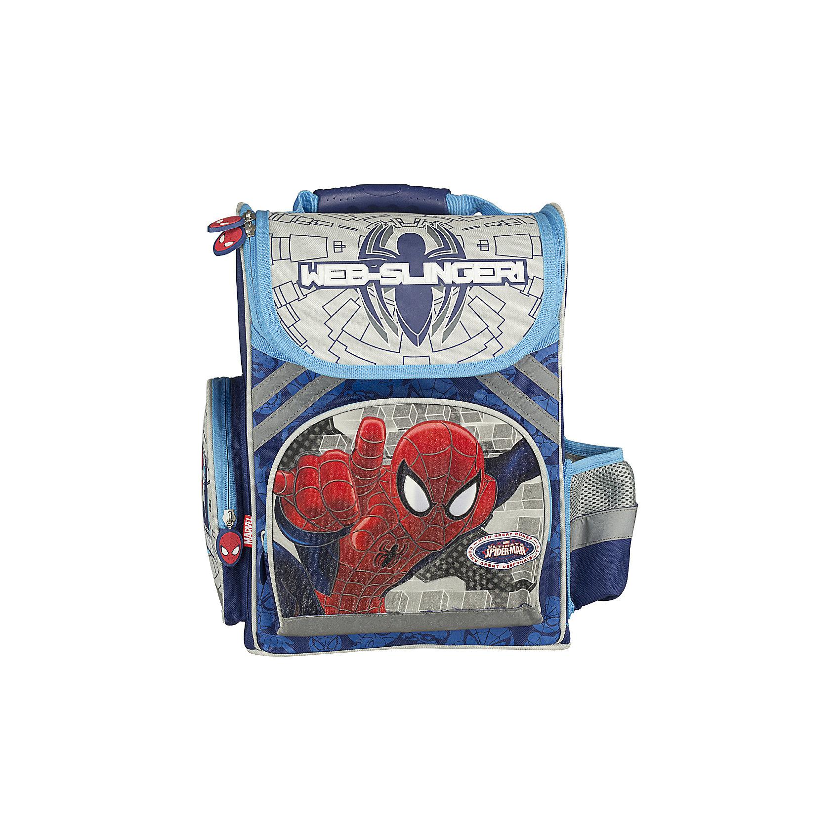 Эргономичный рюкзак, Человек-ПаукРюкзак эргономичный  Spider Man рекомендован детям от 7 лет и старше. Особенно привлекательным этот товар покажется родителям первоклассников. На рюкзаке изображен любимый герой всех мальчиков - Spider-man (Человек-паук). Легкость, безопасность, вместительность, стиль - вот главные характеристики этого рюкзака.   Лямки широкие. Их можно регулировать в зависимости от роста ребенка. Внутри имеются 2 вертикальные вставки, которые делят пространство рюкзака на несколько секторов. Сверху расположена большая ручка для переноски. У рюкзака есть большой фронтальный карман на молнии и два небольших боковых закрывающихся отделения. Для безопасности ребенка на дороге предусмотрены светоотражающие элементы.<br><br>Дополнительная информация:<br><br>- размер: 38х36х16 см.<br>- материал: полиэстер<br>- вес: 1011 г<br><br>Рюкзак эргономичный с EVA-спинкой Spider Man можно купить в нашем магазине.<br><br>Ширина мм: 350<br>Глубина мм: 265<br>Высота мм: 130<br>Вес г: 1011<br>Возраст от месяцев: 48<br>Возраст до месяцев: 84<br>Пол: Мужской<br>Возраст: Детский<br>SKU: 3562966