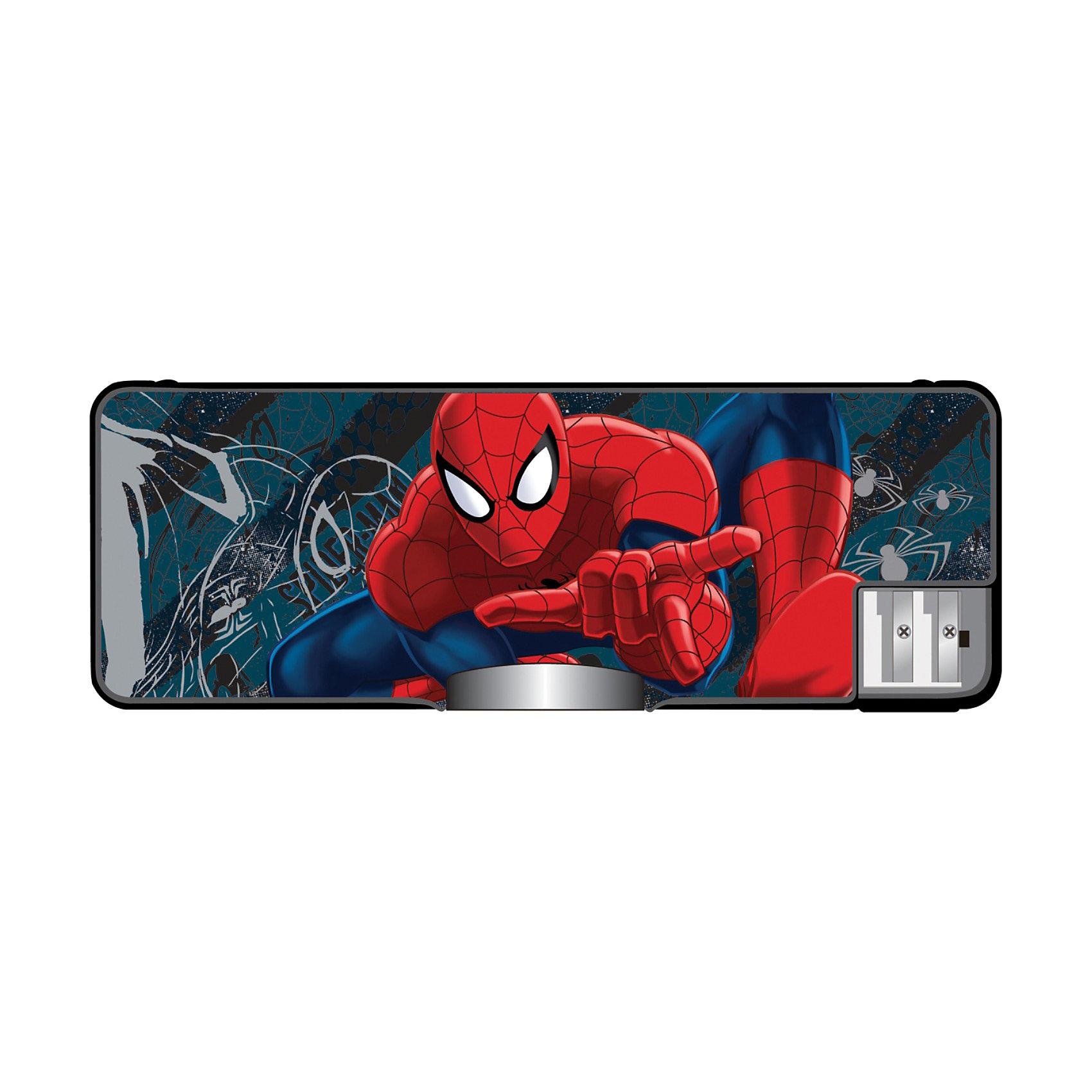 Пенал жесткий с точилками, Человек-ПаукНеобычный пенал с изображением Человека-паука (Spider Man) обязательно понравится юному  школьнику. Пенал пластиковый с удобными точилками для карандашей.<br><br>Дополнительная информация:<br><br>- размер: 8 х 23 х 2,5 см<br>- механизм закрытия - механический<br><br>Пенал жесткий с точилками Spider Man можно купить в нашем магазине.<br><br>Ширина мм: 80<br>Глубина мм: 230<br>Высота мм: 25<br>Вес г: 400<br>Возраст от месяцев: 48<br>Возраст до месяцев: 84<br>Пол: Мужской<br>Возраст: Детский<br>SKU: 3562993