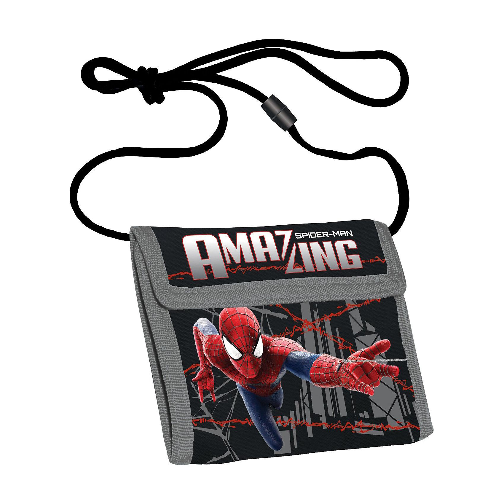 Кошелек, Человек-ПаукЧеловек-Паук<br>Кошелек, Человек-паук пригодится и для хранения мелочей. Легкий компактный кошелек выполнен из полиэстера, и украшен изображением популярного героя Человека-Паука, что несомненно порадует маленьких поклонников. Кошелек имеет веревочку-ручку с регулирующей клипсой.<br><br>Яркий аксессуар станет прекрасным подарком юным героям!<br><br>Дополнительная информация:<br><br>- Материал: полиэстер<br>- Размер: 9 х 9 х 2 см<br>- Вес: 40 г.<br><br>Кошелек, Человек-паук (Spider-Man) можно купить в нашем интернет-магазине.<br><br>Ширина мм: 90<br>Глубина мм: 90<br>Высота мм: 20<br>Вес г: 38<br>Возраст от месяцев: 48<br>Возраст до месяцев: 84<br>Пол: Мужской<br>Возраст: Детский<br>SKU: 3563069