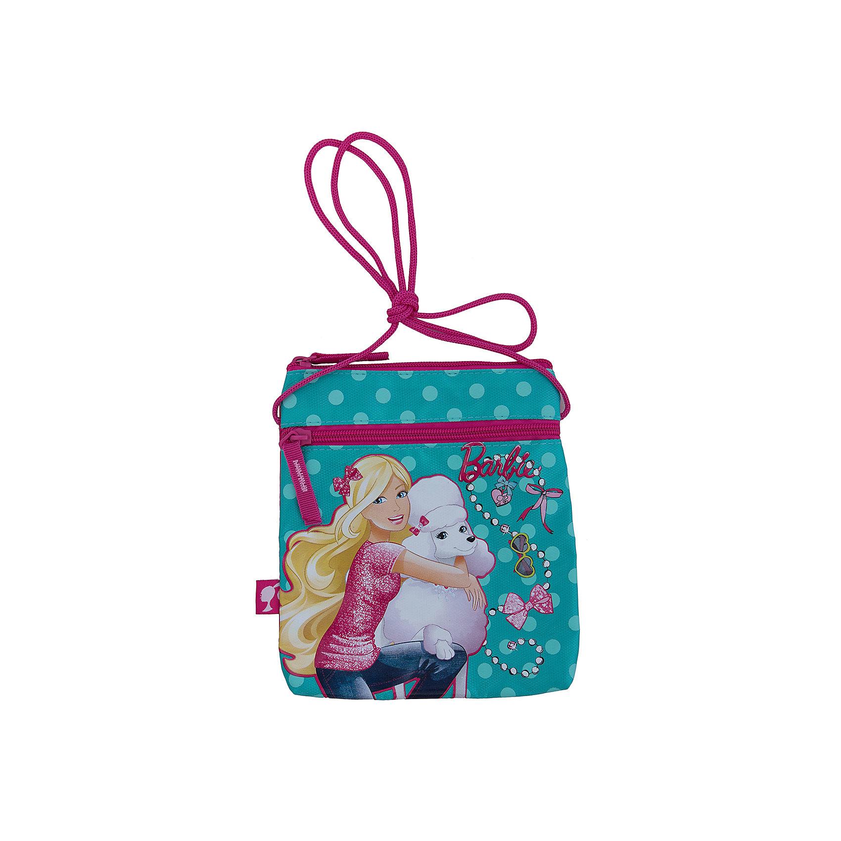 Сумка, BarbieСтильная и практичная сумка Барби (Barbie) идеально подойдет как для дошкольниц, так и для девочек постарше, с ней удобно путешествовать и отправляться на длительные прогулки. В симпатичную сумку можно положить все самое необходимое, в ней два вместительных отделения на молнии, плечевой регулируемый ремешок. Сумка выполнена в нежной бирюзово-розовой расцветке с изображением куколки Барби.<br><br>Дополнительная информация:<br><br>- Материал: полиэстер.<br>- Размер: 20 х 17 х 2,5 см.<br><br>Сумку Barbie можно купить в нашем интернет-магазине.<br><br>Ширина мм: 200<br>Глубина мм: 175<br>Высота мм: 25<br>Вес г: 500<br>Возраст от месяцев: 96<br>Возраст до месяцев: 108<br>Пол: Женский<br>Возраст: Детский<br>SKU: 3563133