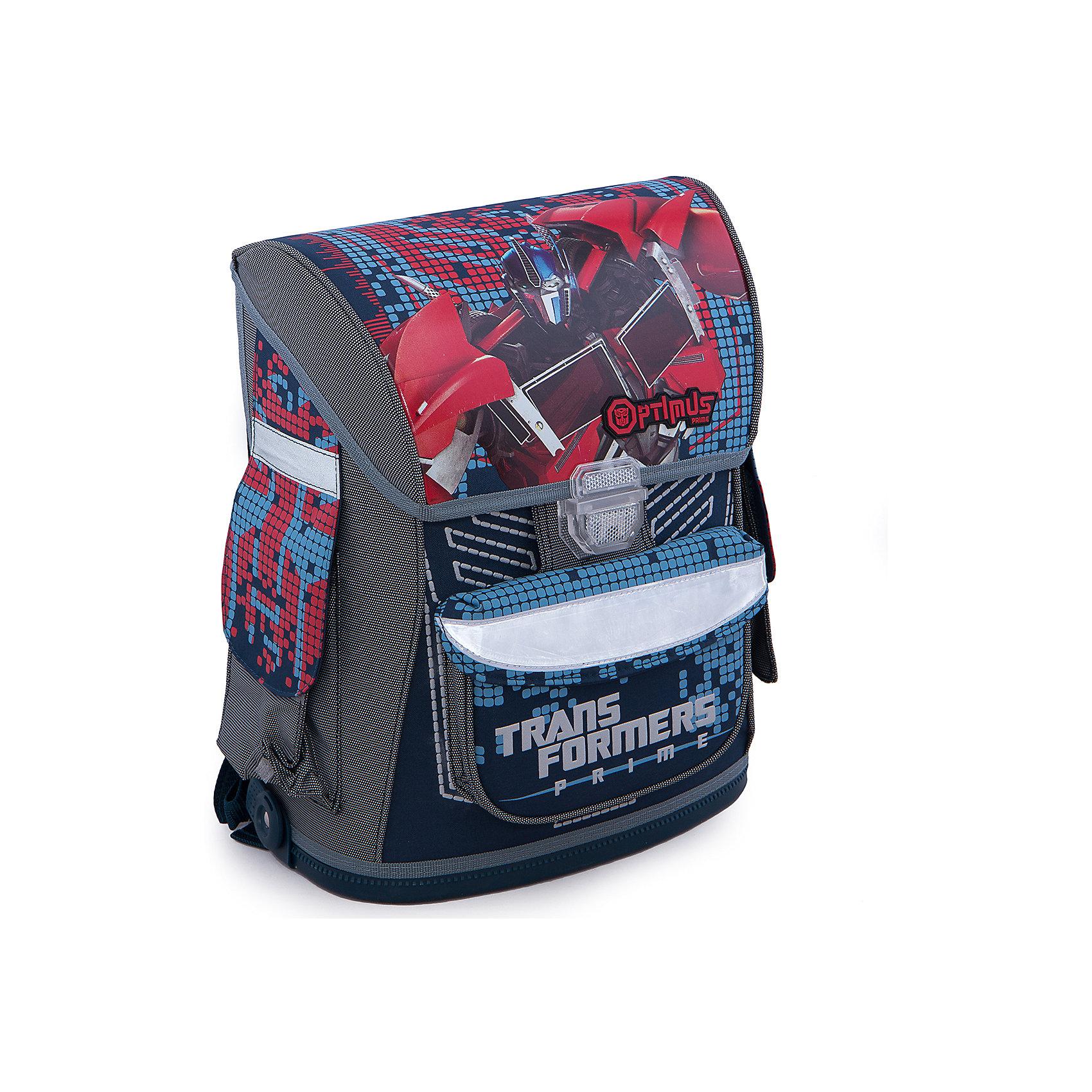 Эргономичный ранец, ТрансформерыРюкзак-ранец эргономичный, Transformers (Трансформеры) предназначен для школьников младших классов. Рюкзак имеет эргономичную спинку, покрытую толстым поролоном, что обеспечивает комфорт при использовании. Рюкзак усилен пластиком и имеет жесткие боковые стенки, что позволяет хорошо держать форму, а значит тетрадки и книжки внутри рюкзака останутся в порядке при любой активности ребенка. Широкие регулируемые лямки позволяют равномерно распределить нагрузку на плечи. На переднем кармане для канцелярских принадлежностей изображены любимцы практически всех мальчишек — Трансформеры.<br><br>Порадуйте Вашего  ребенка прекрасным подарком!<br><br>Дополнительная информация:<br><br>- Материал: текстиль, поролон, пластик<br>- Размер: 37 х 30 х 16,5 см<br>- Вес: 1,07 кг<br><br>Рюкзак-ранец эргономичный, Transformers (Трансформеры) можно купить в нашем интернет-магазине.<br><br>Ширина мм: 370<br>Глубина мм: 300<br>Высота мм: 165<br>Вес г: 1068<br>Возраст от месяцев: 96<br>Возраст до месяцев: 108<br>Пол: Мужской<br>Возраст: Детский<br>SKU: 3563162