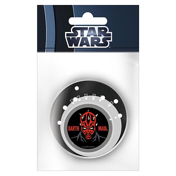 Точилка с изменяемым углом заточки, Star WarsЗвездные войны<br>Точилка с изменяемым углом заточки Star Wars (Звездные войны) станет замечательным дополнением к другим канцелярским принадлежностям бренда Star Wars. Точилка оформлена в стиле знаменитой киноэпопеи Звездные войны и поможет всегда качественно заточить карандаши. Точилка имеет 6 вариантов заточки грифеля карандаша. Чтобы выбрать желаемую толщину грифеля, нужно повернуть стрелку, изображенную на корпусе, на нужный рисунок заточки. <br><br>Дополнительная информация:<br><br>- Материал: пластик.<br>- Размер упаковки: 10 х 8 х 2 см.<br><br>Точилку Star Wars можно купить в нашем интернет-магазине.<br><br>Ширина мм: 60<br>Глубина мм: 60<br>Высота мм: 10<br>Вес г: 50<br>Возраст от месяцев: 96<br>Возраст до месяцев: 108<br>Пол: Мужской<br>Возраст: Детский<br>SKU: 3563198