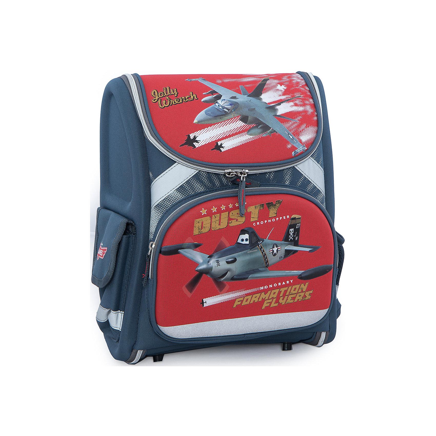 Эргономичный рюкзак-трансформер с EVA-спинкой, СамолетыРюкзак-трансформер, эргономичный с EVA-спинкой, Самолеты - это максимально удобный и функциональный по своим характеристикам рюкзак.<br>Полностью раскладной рюкзак-трансформер, эргономичный с EVA-спинкой обязательно понравится фанату анимационного фильма Planes (Самолеты). Небольшие размеры делают этот рюкзак наиболее подходящим для младших школьников. Для переноски, рюкзак оборудован двумя широкими регулируемыми лямками и ручкой сверху. Спинка выполнена из жесткого материала с ортопедическими элементами в виде единой панели, переходящей в жесткое дно с пластиковыми ножками. Благодаря использованию современного материала EVA, позвоночник ребенка не будет испытывать больших нагрузок во время эксплуатации рюкзака. Кроме того, уплотненные боковинки и дно - это средства, помогающие распределить вес всего рюкзака и сохранить его форму. Отличительные особенности рюкзака-трансформера: форма поролоновых вставок была специально разработана для обеспечения максимального комфорта и распределения веса. Усиливающая вставка в спинке рюкзака повторяет контур позвоночника, сохраняя правильную осанку ребенка. Многослойный поролон, покрытый сеткой, обеспечивает максимальную функциональность и комфорт в использовании. У рюкзака одно большое отделение на молнии, передней карман на молнии и два боковых кармана. Основное отделение разделено двумя вставками, там же есть крепления для канцелярских принадлежностей и небольшой сетчатый карман. Светоотражающие элементы делают рюкзак и его маленького хозяина заметными в свете автомобильных фар, и ребенок может без опаски переходить дорогу в темное время суток.<br><br>Дополнительная информация:<br><br>- Материал: полиэстер<br>-Размер: 35х31х14 см.<br>- Вес: 831 гр.<br><br>Рюкзак-трансформер, эргономичный с EVA-спинкой, Самолеты можно купить в нашем интернет-магазине.<br><br>Ширина мм: 350<br>Глубина мм: 310<br>Высота мм: 140<br>Вес г: 831<br>Возраст от месяцев: 48<br>Возраст до месяцев: 84<