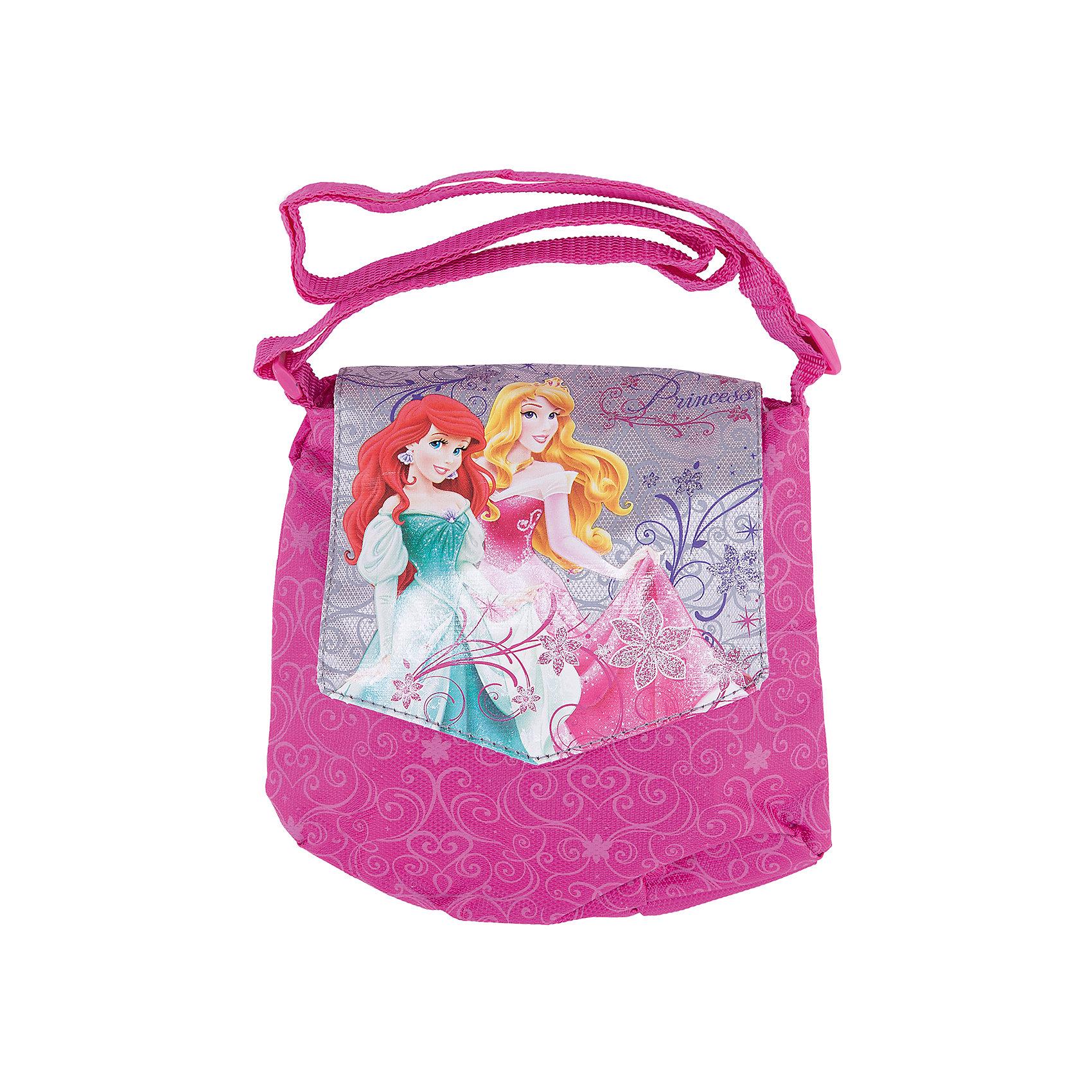 Сумочка, Принцессы ДиснейДетские сумки<br>Идеальный подарок для юной модницы: стильная и удобная сумочка Disney Princess (Принцессы Диснея). Яркая сумка с уникальной расцветкой из прочного текстиля застегивается на надежную молнию. В сумочке удобное основное отделение. Застегивается на клапан с изображением Disney Princess (Принцессы Диснея). Сумка из текстиля почти невесомая, но вместительная, благодаря удобному наплечному ремню с регулировкой длины подойдет для девочек любого роста.<br><br>Дополнительная информация:<br><br>- Яркий дизайн идеален для девочек;<br>- Легкая и компактная;<br>- Регулируемый по длине плечевой ремень позволяет носить сумку как на плече, так и через плечо;<br>- Сумка надежно закрывается на молнию;<br>- Закрывается на клапан Disney Princess (Принцессы Диснея) ;<br>- Размер: 18 х 21 см;<br>- Материал: полиэстер;<br>- Вес: 55 г.<br><br>Сумочку, Disney Princess (Принцессы Диснея) можно купить в нашем интернет-магазине.<br><br>Ширина мм: 350<br>Глубина мм: 350<br>Высота мм: 200<br>Вес г: 500<br>Возраст от месяцев: 48<br>Возраст до месяцев: 84<br>Пол: Женский<br>Возраст: Детский<br>SKU: 3563333