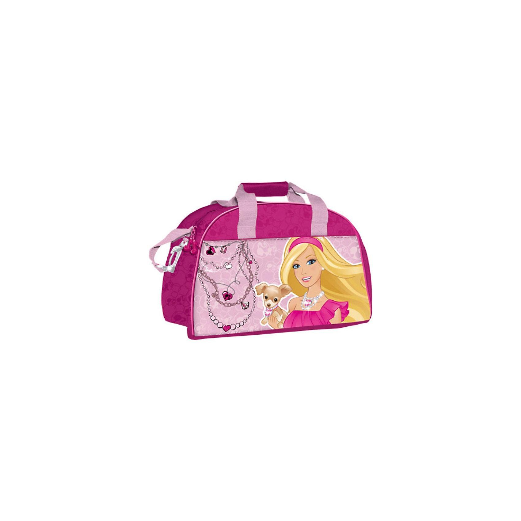 Сумка спортивная, BarbieДетская спортивная сумка придется по вкусу любой активной девочке, посещающей спортзал или спортивные секции.<br>Сумка изготовлена из высококачественного износостойкого полиэстера и оформлена оригинальным принтом.<br>Сумка состоит из одного вместительного отделения, закрывается на застежку-молнию. Внутри располагается небольшой накладной карман на застежке-молнии. Сумка имеет удобные ручки для переноски, а также съемный плечевой ремень, регулирующийся по длине. Сумка очень просторная, в ней без труда поместится спортивная форма или сменная одежда.<br>Спортивная сумка - незаменимый аксессуар, она сочетает в себе практичность и современный дизайн и сделает посещение спортивных секций не только полезным, но и приятным занятием!<br><br>Дополнительная информация:<br><br>Размер: 40 х 26 х 22 см.<br><br>Спортивную Сумку Barbie (Барби) можно купить в нашем магазине.<br><br>Ширина мм: 260<br>Глубина мм: 400<br>Высота мм: 220<br>Вес г: 561<br>Возраст от месяцев: 96<br>Возраст до месяцев: 108<br>Пол: Женский<br>Возраст: Детский<br>SKU: 3563393