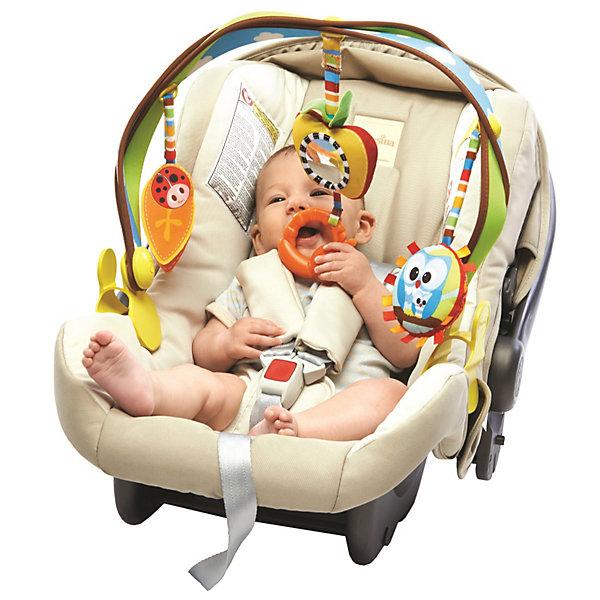 Дуга с подвесками Радуга, Tiny LoveИгрушки для новорожденных<br>Дуга с подвесками Радуга, Tiny Love - это отличная игрушка для поездок, легко складывается, упаковывается и развлекает ребенка в пути.<br>Дуга с подвесками Радуга, Tiny Love привлечет внимание вашего малыша и заставит его улыбаться. Дуга плотно крепится на коляску или автокресло с помощью удобных пластиковых клипс с регулировкой ширины зажима. Универсальное крепление подходит для большинства колясок и переносок. 3 мягкие симпатичные игрушки подвешиваются к дуге за мягкие петли, на высоту, удобную для малыша. Гибкая арка позволяет легко наклонить игрушку к ребенку. Игрушки крепятся к дуге с помощью вибрирующих лент и весело раскачиваются при поездке. Разные на ощупь материалы игрушки (мягкие, шуршащие) способствуют развитию тактильных ощущений у малышей. Яркие цвета привлекут внимание ребенка. В процессе игры у ребенка развивается наблюдательность и умение фокусировать взгляд на предметах, закрепляется навык хватать и удерживать в руках предметы. Дуга с подвесками Радуга изготовлена из экологически чистых материалов, использованы исключительно безопасные вещества для окрашивания.<br><br>Дополнительная информация:<br><br>- В комплекте: прорезыватель, безопасное зеркальце, шуршащий листик, игрушка с изображением совы<br>- Возраст: от 0 мес. (с рождения)<br>- Размер дуги: 48 х 30 х 7 см.<br>- Размер упаковки: 50 х 31 х 7 см.<br>- Вес: 0,6 кг.<br><br>Дугу с подвесками Радуга, Tiny Love (Тини Лав) можно купить в нашем интернет-магазине.<br><br>Ширина мм: 473<br>Глубина мм: 319<br>Высота мм: 76<br>Вес г: 581<br>Возраст от месяцев: 0<br>Возраст до месяцев: 12<br>Пол: Унисекс<br>Возраст: Детский<br>SKU: 3563563