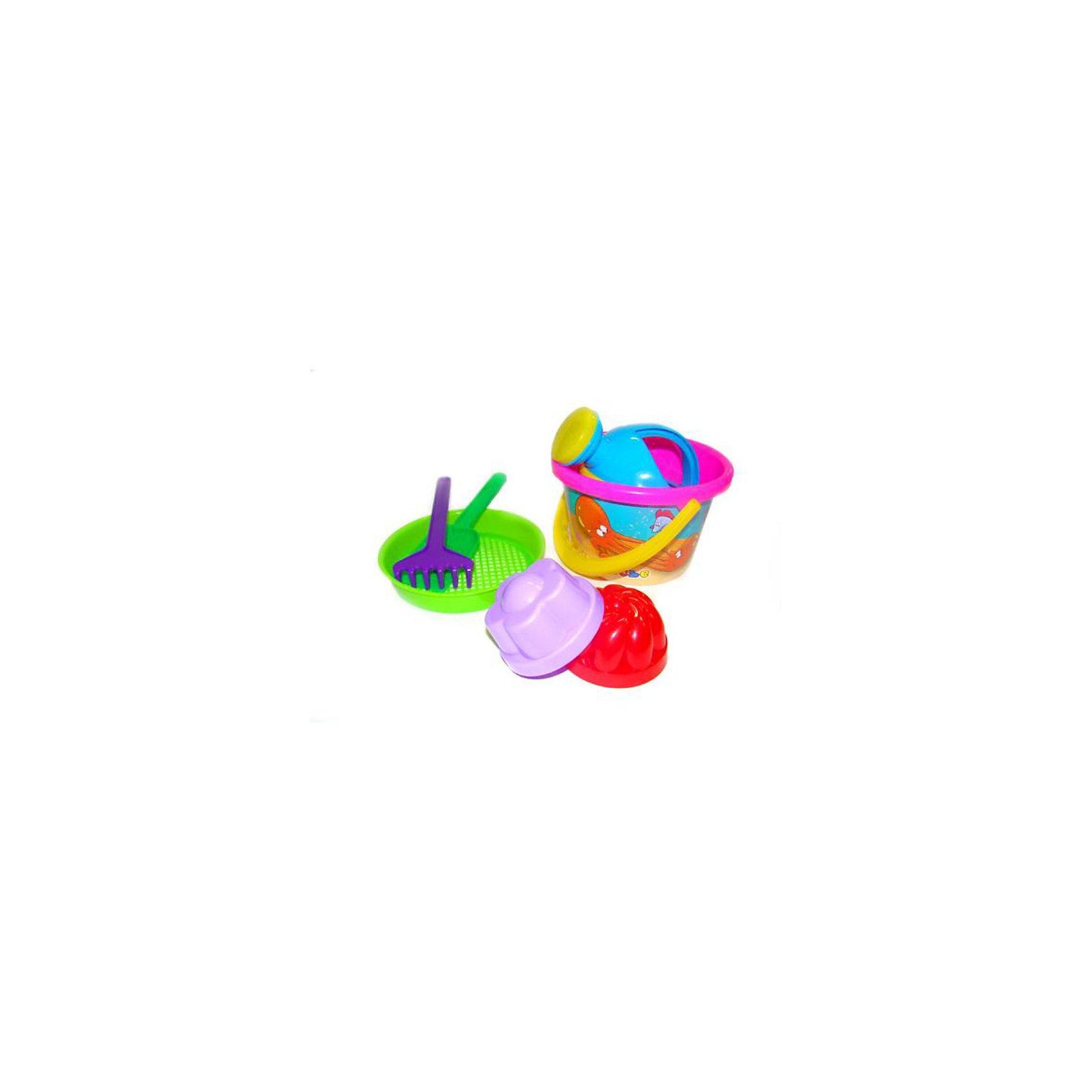 Набор песочный №224, ПолесьеИграем в песочнице<br>Летние наборы представляют собой совокупность игрушек, наиболее необходимых для игр в песочнице. Разнообразие ассортимента фирмы «Полесье» позволяет выбрать именно тот летний набор, который придётся по душе ребёнку. Наборы различаются входящими в них элементами, их формой и расцветкой. Яркость игрушек развивает цветовосприятие, а возможность создавать с их помощью различные фигуры влияет на творческие способности. Летние наборы можно взять с собой на природу, поэтому в преддверии жарких деньков обязательно стоит порадовать малыша таким набором! В набор № 224 входит:  ведро среднее с наклейкой, ситечко, лопатка, грабельки, 2 формочки, лейка малая №4.<br><br>Ширина мм: 190<br>Глубина мм: 170<br>Высота мм: 160<br>Вес г: 240<br>Возраст от месяцев: 12<br>Возраст до месяцев: 60<br>Пол: Унисекс<br>Возраст: Детский<br>SKU: 3566334