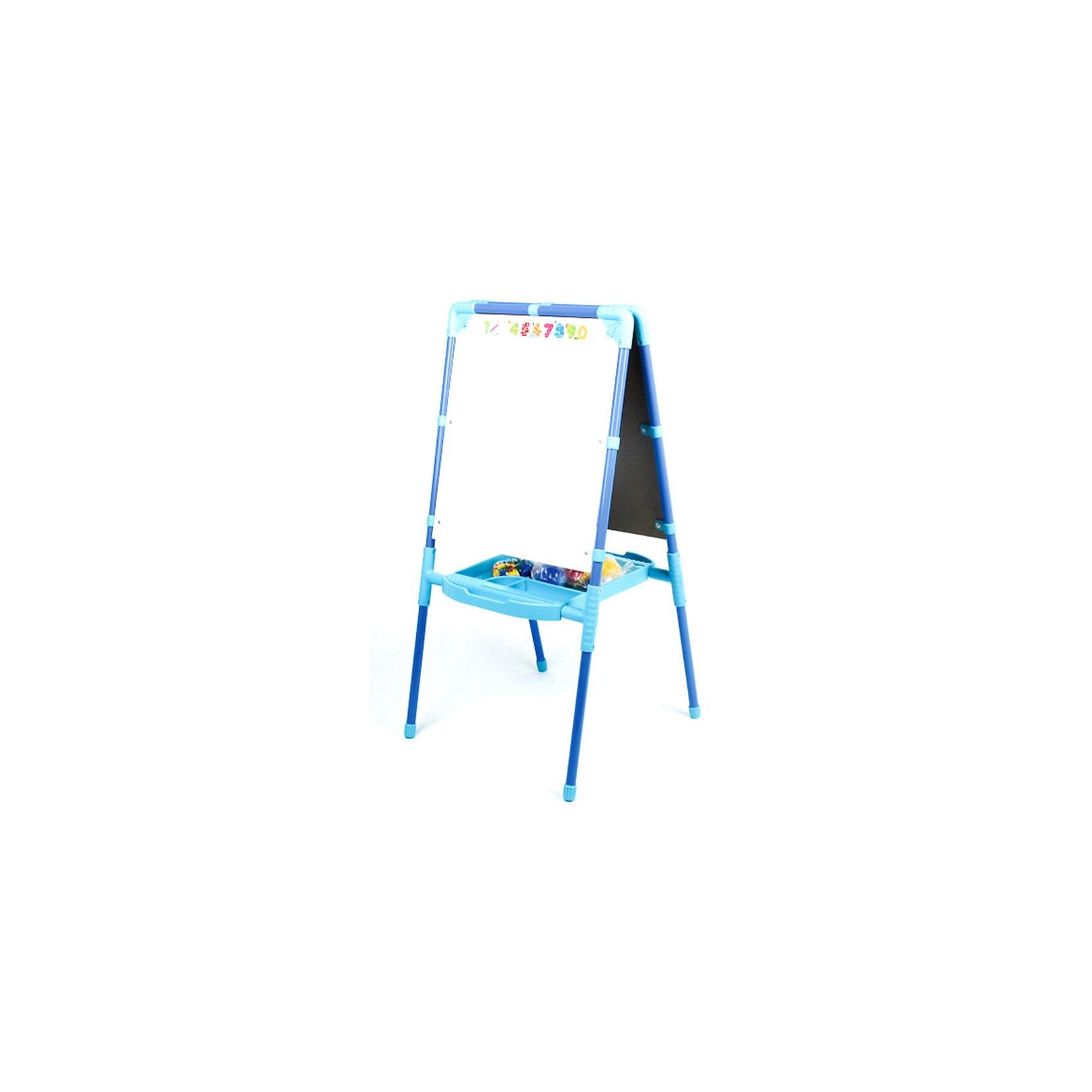 Двусторонний голубой мольберт с пеналом и азбукойДвусторонний голубой мольберт Ника поможет ребенку развить свои творческих способности и выучить буквы и цифры. Мольберт выполнен в голубом цвете и имеет две рабочие поверхности: белая магнитная (металл) и черная для рисования мелом. На магнитной поверхности можно рисовать маркером, а также изучать азбуку и составлять слова, с помощью набора магнитных букв, которые входят в комплект. На мольберт можно закрепить лист бумаги необходимым количеством магнитов и рисовать красками.<br><br>Две рабочие поверхности дают возможность заниматься сразу двум детям одновременно. У мольберта имеется большой пластиковый пенал-поддон, в котором можно хранить нужные для рисования и занятий предметы, он также улучшает устойчивость мольберта. Мольберт легко складывается и не занимает много места.<br><br>Дополнительная информация:<br><br>- Цвет: голубой.<br>- В комплект входят пенал, набор магнитных букв русского алфавита, цифр и знаков препинания (размер знаков 3,5 см). <br>- Материал: металл, пластмасса.<br>- Размер рабочей поверхности: 53 х 47 см.<br>- Размер в разложенном виде: 52, 5 х 102 х 44,5 см.<br>- Размер упаковки: 55 х 113 х 7,5 см.<br>- Вес: 7 кг.<br><br>Детский двусторонний голубой мольберт с азбукой Ника можно купить в нашем интернет-магазине.<br><br>Ширина мм: 52<br>Глубина мм: 53<br>Высота мм: 104<br>Вес г: 7000<br>Возраст от месяцев: 24<br>Возраст до месяцев: 60<br>Пол: Унисекс<br>Возраст: Детский<br>SKU: 3571146