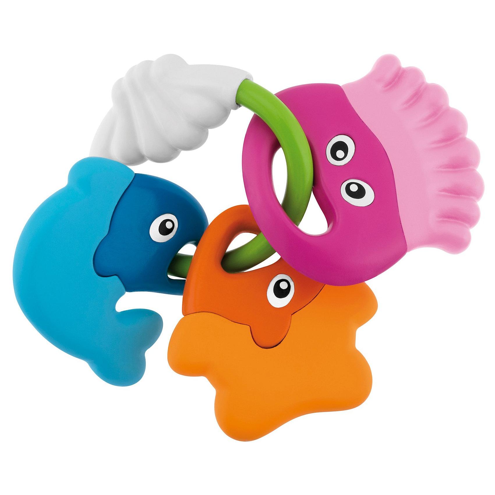Погремушка Морские животные, ChiccoПогремушки<br>Погремушка Морские животные, Chicco (Чико) – эта забавная погремушка-прорезыватель привлечет внимание вашего малыша.<br>Симпатичная погремушка в форме 3 забавных рыбок прекрасно успокоят Вашего ребенка в период, когда у него прорезаются зубы. Три разноцветные рыбки легко ложатся в руку благодаря удобному кольцу. Они изготовлены из жесткой пластмассы с одной стороны, и из мягкой пластмассы с внешней стороны. Яркие и насыщенные цвета привлекают внимание ребенка, помогают концентрировать взгляд на предмете, а перезвон погремушки - тренируют слух малыша.<br><br>Дополнительная информация:<br><br>- Материал: высококачественная пластмасса<br>- Размер упаковки: 23 x 14 x 2 см.<br><br>Погремушку Морские животные, Chicco (Чико) можно купить в нашем интернет-магазине.<br><br>Ширина мм: 209<br>Глубина мм: 164<br>Высота мм: 44<br>Вес г: 99<br>Возраст от месяцев: 3<br>Возраст до месяцев: 18<br>Пол: Унисекс<br>Возраст: Детский<br>SKU: 3587125