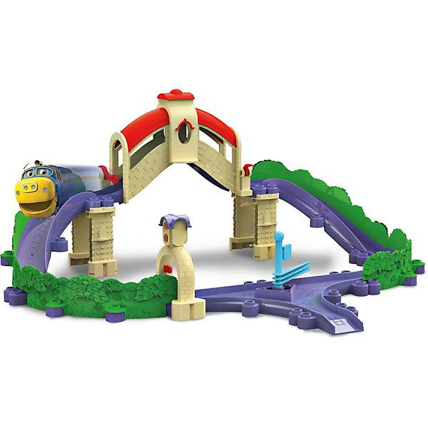Игровой набор Мост и туннель, StackTrack, ЧаггингтонПопулярные игрушки<br>Игровой набор Мост и туннель, StackTrack, Чаггингтон создан по мотивам популярного мультсериала Паровозики из Чаггингтона и станет отличным подарком для его поклонников и всех любителей железнодорожной техники. Чаггингтон (Chuggington) - это городок где живут и работают веселые паровозики, каждое утро они развозят грузы и пассажиров по назначению. Построив трассу из деталей набора, юный любитель паровозиков Чаггингтон сможет придумать множество веселых игр и сценок по мотивам любимого мультика. <br><br>В наборе содержится 2 больших моста и один маленький туннель. Выберите один из двух вариантов сборки трека и отправляйте паровозика Брюстера на задание. Ему предстоит скатиться на большой скорости с высокой горки вниз, взобраться на мост и съехать с него. Направлением движения паровозика можно управлять с помощью шлагбаума. Игровой набор Мост и тоннель, StackTrack совмещается с наборами серии Die-Cast Chuggington.<br> <br>Дополнительная информация:<br><br>- В комплекте: трек и опоры для него, туннель, мост, стрелка, паровозик Брюстер.<br>- Материал: пластик, металл.<br>- Размер паровозика: 8 х 3 х 4 см.<br>- Размер упаковки: 40 х 25 х 13 см.<br>- Вес: 1,2 кг.<br><br>Игровой набор Мост и туннель, StackTrack, Чаггингтон можно купить в нашем интернет-магазине.<br><br>Ширина мм: 410<br>Глубина мм: 258<br>Высота мм: 126<br>Вес г: 1095<br>Возраст от месяцев: 36<br>Возраст до месяцев: 60<br>Пол: Унисекс<br>Возраст: Детский<br>SKU: 3592485