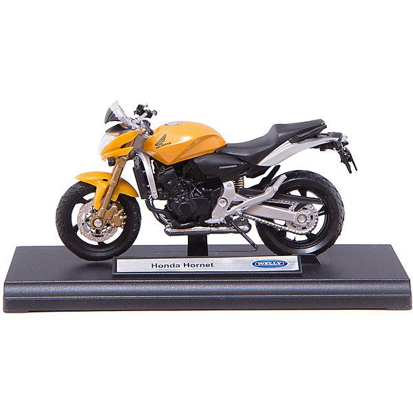 Модель мотоцикла 1:18 Honda Hornet, WellyМашинки<br>Модель мотоцикла 1:18 Honda Hornet, Welly (Велли) - потрясающе точно выполненная копия настоящего классического мотоцикла  Honda Hornet. Высокая степень детализации, прочный металлический корпус, выполненный литьевым способом, обязательно порадуют маленьких любителей мотоциклов.<br><br>С моделью мотоцикла 1:18  Honda Hornet , Welly  можно не только играть, но и сделать его частью своей коллекции!<br><br>Дополнительная информация:<br><br>- Размер: 17 х 7 х 11 см<br>- Материал: металл, пластик<br>- Вес: 170 г.<br><br>Модель мотоцикла 1:18 Honda Hornet, Welly (Велли) можно купить в нашем интернет-магазине.<br><br>Ширина мм: 170<br>Глубина мм: 70<br>Высота мм: 110<br>Вес г: 170<br>Возраст от месяцев: 36<br>Возраст до месяцев: 192<br>Пол: Мужской<br>Возраст: Детский<br>SKU: 3593304