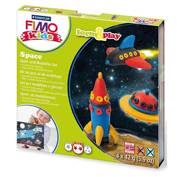 Набор для создания украшений КосмосДругие наборы<br>Серия Form&amp;play представляет собой сочетание моделирование и игры. Основная концепция включает простые и хорошо понятные формы, инструкции в соответствии с уровнем сложности и полимерную глину, разработанную специально для детей. Игровая фоновая сцена, изображенная на внутренней стороне упаковки, не только доставит дополнительное удовольствие от игры, но и вдохновит на новые идеи моделирования.<br>FIMO kids form&amp;play детский набор Космос - содержит: 4 блока по 42 г (красный, синий, черный, блестящий золотой), стек для моделирования, пошаговые инструкции, игровая сцена. Уровень сложности 2.<br>Ширина мм: 158; Глубина мм: 157; Высота мм: 22; Вес г: 255; Возраст от месяцев: 60; Возраст до месяцев: 96; Пол: Унисекс; Возраст: Детский; SKU: 3608630;