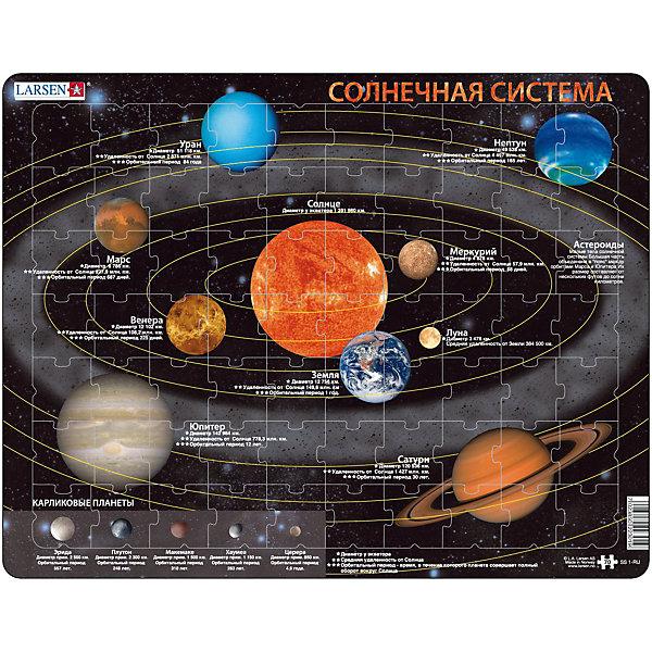 Пазл Солнечная система,  Larsen, 70 деталейПазлы для малышей<br>Пазл Солнечная система,  Larsen, 70 деталей в занимательной форме познакомит Вашего ребенка с основами астрономии. Пазл красочно и точно отображает все планеты Солнечной системы с краткой информацией о каждой из них: Меркурий, Венера, Земля, Марс, Юпитер, Уран, Нептун, Плутон, Сатурн. В игровой форме дети легко и быстро запоминают названия планет солнечной системы, их диаметр и удаленность от Солнца. Изготовлен пазл из плотного трехслойного картона, имеет специальную подложку и рамку, которые облегчают процесс сборки. Принцип сборки пазла заключается в использовании принципа совместимости изображений и контуров пазла. Если малыш не сможет совместить детали пазла по рисунку, он сделает это по контуру пазла, вставив его в подложку как вкладыш. Высокое качество материала и печати не допускают износа, расслаивания, деформации деталей и стирания рисунка. Многообразие форм и разные размеры деталей пазла развивают мелкую моторику пальцев. Занятия по сборке пазла развивают образное и логическое мышление, пространственное воображение, память, внимание, усидчивость, координацию движений.<br><br>Дополнительная информация:<br><br>- Количество элементов: 70 деталей<br>- Материал: плотный трехслойный картон<br>- Размер пазла: 36,5 x 28,5 см.<br><br>Пазл Солнечная система,  Larsen (Ларсен), 70 деталей можно купить в нашем интернет-магазине.<br><br>Ширина мм: 360<br>Глубина мм: 360<br>Высота мм: 280<br>Вес г: 100<br>Возраст от месяцев: 72<br>Возраст до месяцев: 120<br>Пол: Унисекс<br>Возраст: Детский<br>Количество деталей: 70<br>SKU: 3610578
