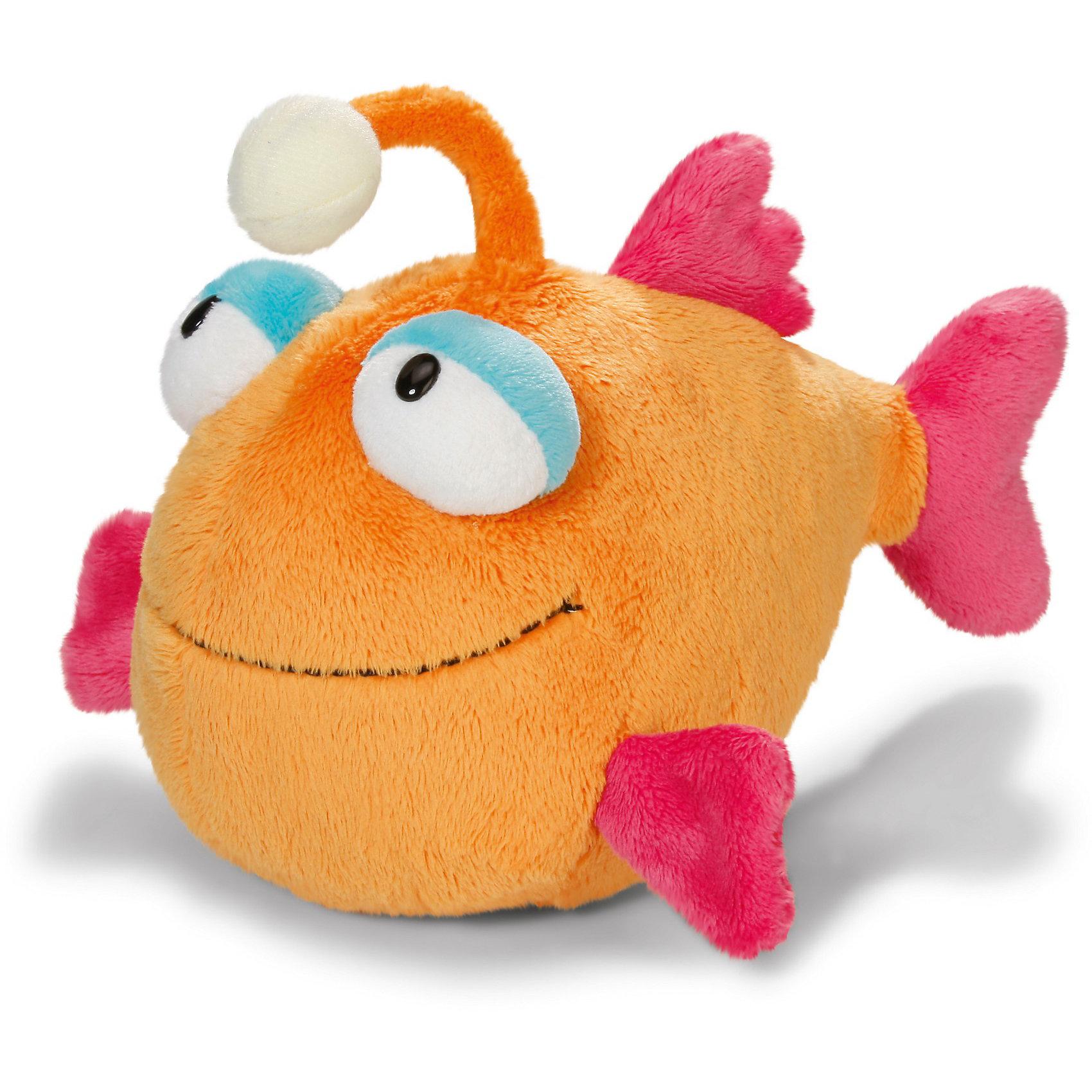 Рыбка с фонариком, 25 см,  NICIПлюшевая зверушка Рыбка с фонариком, 25 см -от NICI обязательно понравится Вашему малышу.<br>Мягкая игрушка Рыбка с фонариком – эта яркая и необычная мягкая игрушка от немецкого производителя Nici приведет в восторг, как детей, так и взрослых. Игрушка сделана из мягкого приятного на ощупь материала, и ребенку очень понравится гладить ее и прижимать к себе. Основной цвет игрушки - оранжевый. Плавники у рыбки красного цвета. <br>Игрушка изготовлена из экологически чистых материалов: высококачественного плюша и гипоаллергенного синтепона. Не деформируется и не теряет внешний вид при стирке.<br><br>Дополнительная информация:<br><br>- Размер игрушки: 25 см.<br>- Материал: плюш, синтепон<br><br>Мягкую игрушку «Рыбка с фонариком», 25 см можно купить в нашем интернет-магазине.<br><br>Ширина мм: 270<br>Глубина мм: 161<br>Высота мм: 124<br>Вес г: 199<br>Возраст от месяцев: 24<br>Возраст до месяцев: 144<br>Пол: Унисекс<br>Возраст: Детский<br>SKU: 3674985