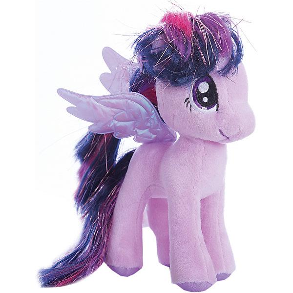 Пони Сумеречная искорка, 20 см, My Little Pony, TyМягкие игрушки из мультфильмов<br>Маленькие девочки очень любят животных. Особенно любят лошадей. Для маленькой девочки нужна и маленькая лошадка. Такой лошадкой является пони. Вашей дочке обязательно понравится красивая малышка: Pony Twilight Sparkle (Пони Сумеречная Искорка), которая станет новой любимицей ребенка. Чудесная милая Пони имеет яркую красивую окраску и шелковистую гриву. Большие выразительные глаза пони смотрят с такой трогательной добротой, что так и хочется взять игрушку  на руки и заботиться об этой малютке. <br><br>Дополнительная информация:<br><br>- Игрушка развивает: тактильные навыки, зрительную координацию, мелкую моторику рук;<br>- Идеальный подарок для любителей серии: My Little Pony (Моя Маленькая Пони);<br>- Материалы не вызовут аллергии у Вашего малыша;<br>- Приятная на ощупь;<br>- Яркие и стойкие цвета приятны для глаз;<br>- Материал: плюш;<br>- Высота игрушки: 20 см;<br>- Вес: 89 г<br><br>Pony Twilight Sparkle (Пони Сумеречная Искорка), 20 см, My Little Pony, Ty можно купить в нашем интернет-магазине.<br><br>Ширина мм: 330<br>Глубина мм: 330<br>Высота мм: 330<br>Вес г: 89<br>Возраст от месяцев: 36<br>Возраст до месяцев: 120<br>Пол: Унисекс<br>Возраст: Детский<br>SKU: 3676500