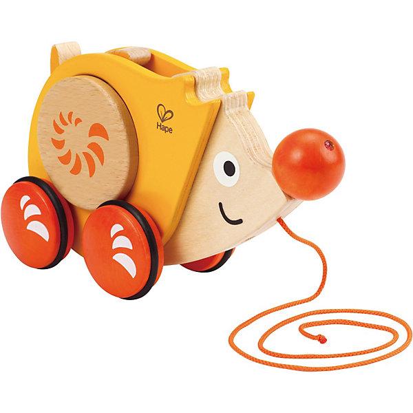 Деревянная игрушка-каталка Hape ЁжикКаталки и качалки<br>Характеристики:<br>• возраст: от 1 года до 3 лет<br>• материал: дерево<br>• длина шнурка: 68 см.<br>• размер: 10 x 30 х 30 см<br>• вес упаковки: 0.5 кг.<br><br>Яркий и добрый образ ёжика придется по вкусу любому малышу. Способствует развитию крупной моторики, равновесия и координации.<br>Контрастные пятнышки на теле ёжика стимулируют развитие координации глаз, учат следить за мелкими движущимися объектами. Во время движения иголки на спинке ёжика вращаются. Защитные ободки на колесиках не царапают пол.<br><br>Игрушку -каталку Hape Ежик можно купить в нашем интернет-магазине.<br>Ширина мм: 260; Глубина мм: 185; Высота мм: 104; Вес г: 665; Цвет: желтый; Возраст от месяцев: 10; Возраст до месяцев: 24; Пол: Унисекс; Возраст: Детский; SKU: 3685382;