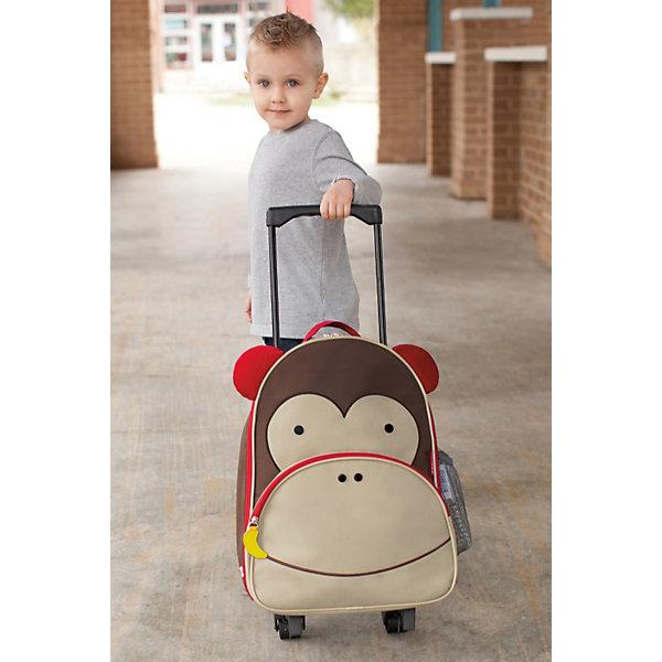 Чемодан детский Обезьяна, Skip HopДорожные сумки и чемоданы<br>Характеристики товара:<br><br>• возраст от 3 лет;<br>• материал: полиэстер, пластик;<br>• вместительный основной отсек <br>• выдвижная ручка<br>• чемодан на колесиках<br>• боковой кармашек для бутылочки<br>• передний кармашек на молнии<br>• съемный регулируемый плечевой ремень для родителей<br>• легко очищается и стирается<br>• не содержат BPA (Бисфенол А), Phthalate (Фталат)<br>• размер чемодана 43х30х13 см;<br>• высота выдвинутой ручки 71 см;<br>• страна производитель: Китай.<br><br>Чемодан детский «Обезьяна» Skip Hop — яркий чемодан в виде обезьянки с глазками и ушками для путешествий или поездок с малышом. В основном отделении ребенок может разложить все необходимые ему в поездке вещи. Спереди имеется карман на молнии для мелочей, салфеток, карандашей, блокнотов. Сбоку сетчатый кармашек для бутылочки с водой или контейнера с перекусом.<br><br>Благодаря 2 колесикам чемодан легко перевозить. Ножки защищают от влаги и загрязнений. Прочный каркас не дает содержимому повреждаться. Для родителей предусмотрен съемный ремешок, при помощи которого чемодан можно переносить на плече как рюкзак. Изготовлен чемодан из прочных износостойких материалов с использованием нетоксичных красителей.<br><br>Чемодан детский «Обезьяна» Skip Hop можно приобрести в нашем интернет-магазине.<br>Ширина мм: 473; Глубина мм: 334; Высота мм: 170; Вес г: 1044; Цвет: коричневый; Возраст от месяцев: 24; Возраст до месяцев: 60; Пол: Унисекс; Возраст: Детский; SKU: 3688440;