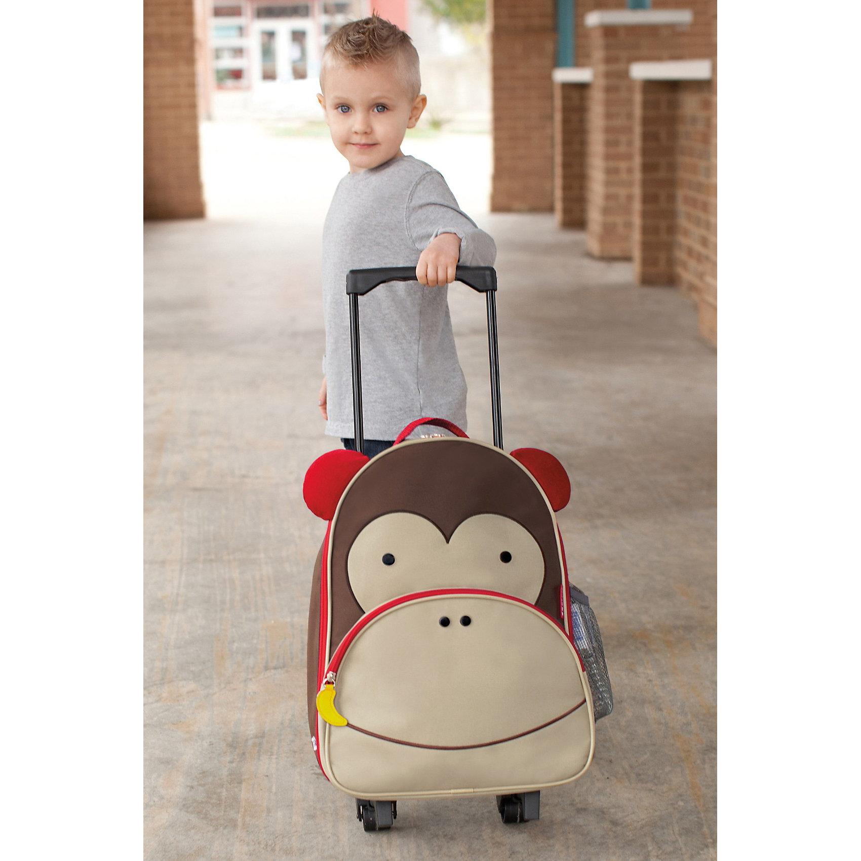 Чемодан детский Обезьяна, Skip HopДорожные сумки и чемоданы<br>Характеристики товара:<br><br>• возраст от 3 лет;<br>• материал: полиэстер, пластик;<br>• вместительный основной отсек <br>• выдвижная ручка<br>• чемодан на колесиках<br>• боковой кармашек для бутылочки<br>• передний кармашек на молнии<br>• съемный регулируемый плечевой ремень для родителей<br>• легко очищается и стирается<br>• не содержат BPA (Бисфенол А), Phthalate (Фталат)<br>• размер чемодана 43х30х13 см;<br>• высота выдвинутой ручки 71 см;<br>• страна производитель: Китай.<br><br>Чемодан детский «Обезьяна» Skip Hop — яркий чемодан в виде обезьянки с глазками и ушками для путешествий или поездок с малышом. В основном отделении ребенок может разложить все необходимые ему в поездке вещи. Спереди имеется карман на молнии для мелочей, салфеток, карандашей, блокнотов. Сбоку сетчатый кармашек для бутылочки с водой или контейнера с перекусом.<br><br>Благодаря 2 колесикам чемодан легко перевозить. Ножки защищают от влаги и загрязнений. Прочный каркас не дает содержимому повреждаться. Для родителей предусмотрен съемный ремешок, при помощи которого чемодан можно переносить на плече как рюкзак. Изготовлен чемодан из прочных износостойких материалов с использованием нетоксичных красителей.<br><br>Чемодан детский «Обезьяна» Skip Hop можно приобрести в нашем интернет-магазине.<br><br>Ширина мм: 463<br>Глубина мм: 330<br>Высота мм: 187<br>Вес г: 1036<br>Цвет: коричневый<br>Возраст от месяцев: 24<br>Возраст до месяцев: 60<br>Пол: Унисекс<br>Возраст: Детский<br>SKU: 3688440
