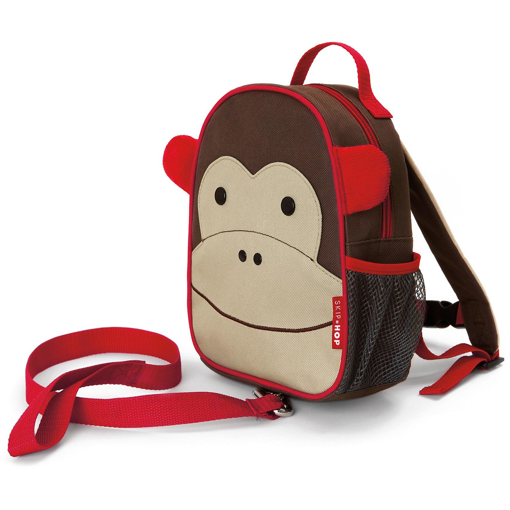 Рюкзак детский с поводком Обезьяна, Skip HopДетские рюкзаки<br>Характеристики товара:<br><br>• возраст от 11 месяцев;<br>• материал: полиэстер;<br>• бирочка для имени<br>• ремешок безопасности регулируется<br>• размер рюкзака 23х19х8,5 см;<br>• страна производитель: Китай.<br><br>Рюкзак детский с поводком «Обезьяна» Skip Hop выполнен в виде забавной обезьянки с глазками и ушками. Теперь все необходимые вещи всегда будут под рукой у малыша. Он может брать рюкзачок с собой на прогулку, в гости, в детский садик. Во внутреннем отделении поместятся любимые игрушки, карандаши, раскраски, блокноты. Сбоку сетчатый кармашек для бутылочки с напитками или контейнера для еды.<br><br>Мягкие лямки обеспечивают комфортное ношение. Предусмотрена небольшая ручка для переноски в руках или подвешивания. Специальный ремешок-поводок разработан для родителей, которые будут контролировать движения малыша, который еще только познает окружающий мир. Рюкзак изготовлен из плотных износостойких материалов.<br><br>Рюкзак детский с поводком «Обезьяна» Skip Hop можно приобрести в нашем интернет-магазине.<br><br>Ширина мм: 352<br>Глубина мм: 231<br>Высота мм: 60<br>Вес г: 276<br>Цвет: коричневый<br>Возраст от месяцев: 24<br>Возраст до месяцев: 60<br>Пол: Унисекс<br>Возраст: Детский<br>SKU: 3688445