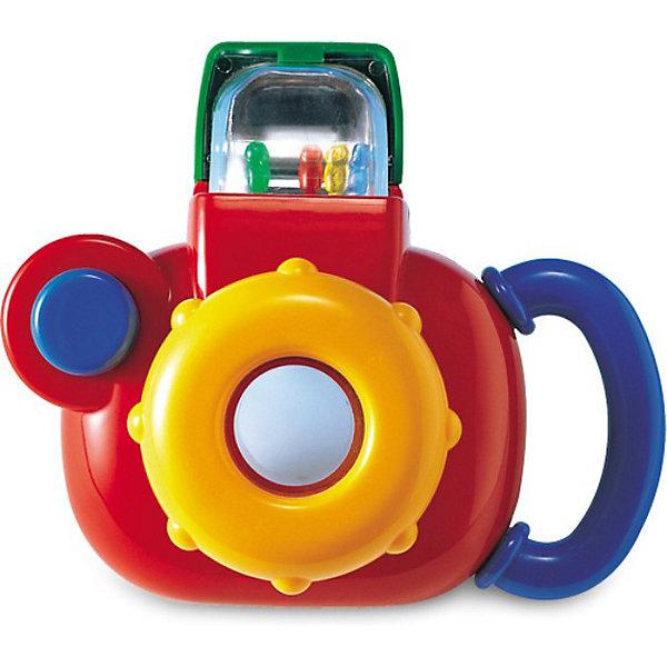 Фотокамера, TOLO CLASSICДетские гаджеты<br>Фотокамера, TOLO CLASSIC (ТОЛО КЛАССИК) – это прекрасный подарок вашему маленькому фотографу.<br>Красочная игрушечная фотокамера с погремушкой внутри привлечет внимание малыша и не даст ему заскучать. У фотокамеры есть и объектив и вспышка. Малышу будет удобно её держать - ведь сбоку предусмотрена удобная ручка. Для того, чтобы сделать фотографию, нужно запустить фотовспышку, после чего ребенок услышит звук, как у погремушки. Нажав на кнопку фотокамеры, в видоискателе появится смешной медвежонок, который обязательно порадует Вашего фотографа. Малыш сможет разворачивать объектив, и при этом он будет слышать веселые звуки, которые издает игрушка. Игрушка развивает у малыша слух и способность определять уровень звука, учит распознавать формы и цвета, вырабатывать способность концентрации внимания. <br>Игрушки Толо производятся из пластика самого высокого качества и гипоаллергенных красителей. Они абсолютно безопасны для малышей, не бьются, не ломаются, крепкие и прочные.<br><br>Дополнительная информация:<br><br>- Размер: 14 х 8.2 х 10.5 см.<br>- Материал: высококачественный пластик<br><br>Фотокамера, TOLO CLASSIC (ТОЛО КЛАССИК) - обязательно понравится Вашему малышу.<br><br>Фотокамера, TOLO CLASSIC (ТОЛО КЛАССИК) можно купить в нашем интернет-магазине.<br><br>Ширина мм: 490<br>Глубина мм: 100<br>Высота мм: 130<br>Вес г: 308<br>Возраст от месяцев: 12<br>Возраст до месяцев: 60<br>Пол: Унисекс<br>Возраст: Детский<br>SKU: 3689029