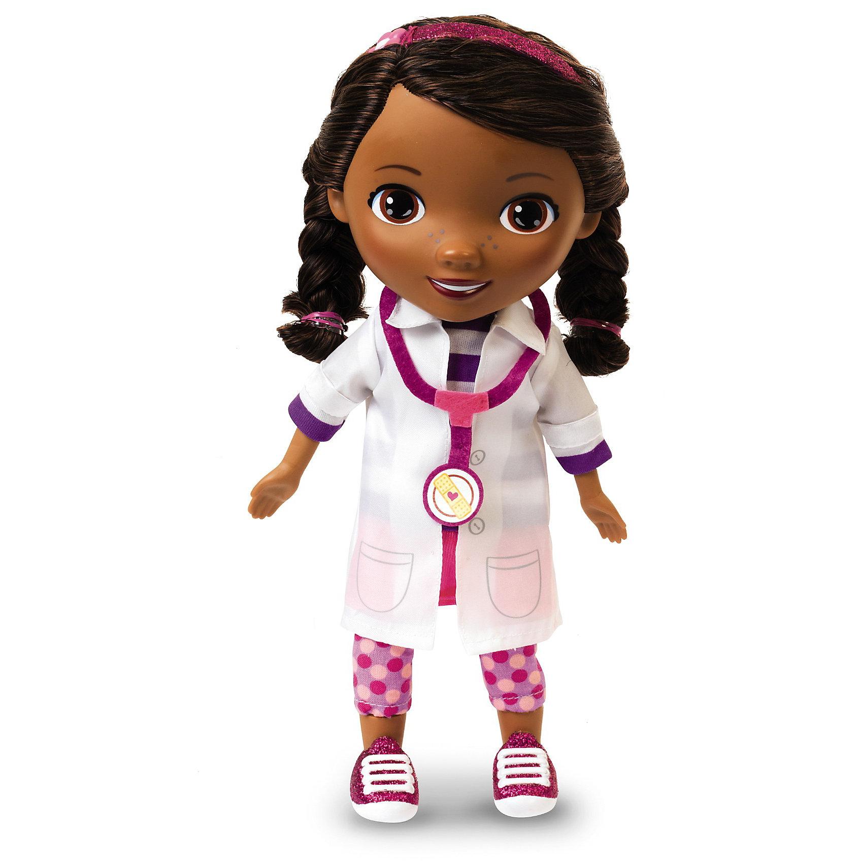 Игрушка Дотти, со звуком, 28 см, Доктор ПлюшеваИдеи подарков<br>Игрушка Дотти, Доктор Плюшева - станет приятным сюрпризом для всех юных поклонниц мультсериала Доктор Плюшева (Doc McStuffins). Девочка Дотти очень любит играть в доктора и лечить свои игрушки, она внимательно следит за здоровьем своих питомцев и всегда готова придти на помощь если кто-кто из них заболел. Куколка выглядит в точности как ее персонаж из мультфильма, она одета в белый халат, на шее стетоскоп.<br><br>Кукла может говорить 10 фраз из мультфильма и поет песенку Время осмотра. Возможен выбор языка (русский, английский или французский). В комплект также входят ободок для волос и гребешок. Тело куклы мягконабивное, голова и конечности пластиковые.<br><br>Дополнительная информация:<br><br>- Материал: пластмасса, текстиль, картон.<br>- Требуются батарейки. <br>- Высота куклы: 28 см.<br>- Размер упаковки: 11 х 31 х 21 см.<br>- Вес: 0,572 кг.<br><br>Игрушку Дотти, со звуком, Доктор Плюшева можно купить в нашем интернет-магазине.<br><br>Ширина мм: 210<br>Глубина мм: 110<br>Высота мм: 310<br>Вес г: 572<br>Возраст от месяцев: 36<br>Возраст до месяцев: 72<br>Пол: Женский<br>Возраст: Детский<br>SKU: 3712223