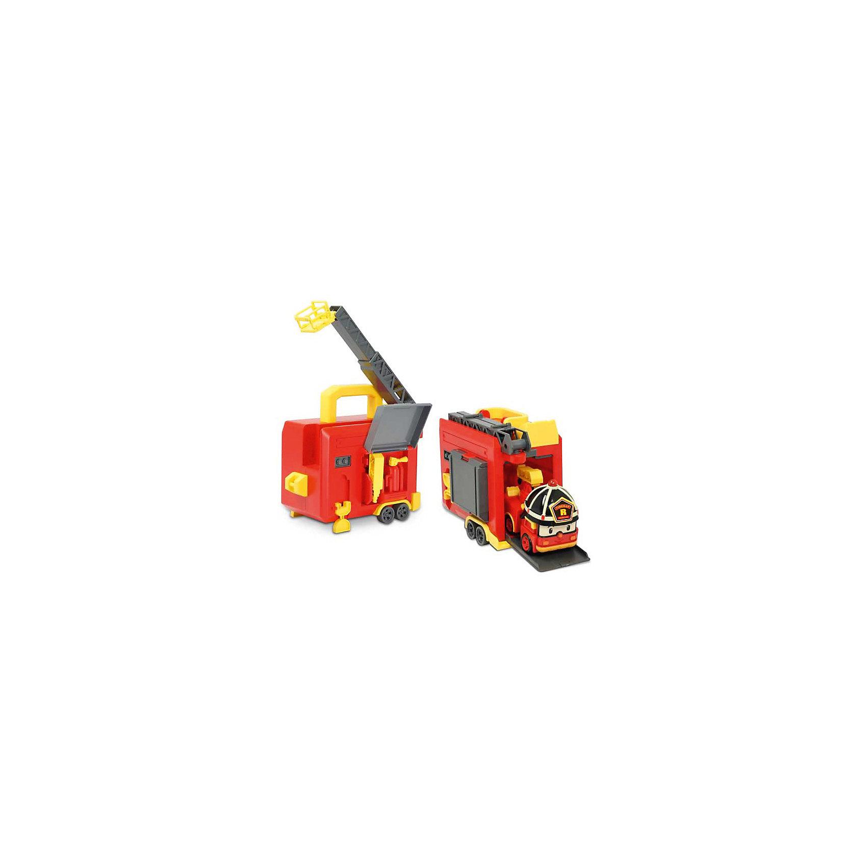 Кейс с гаражом и трансформером Рой, 12 см, Робокар Поли, 12 смПарковки и гаражи<br>Кейс с гаражом и трансформером Рой, 12 см, Робокар Поли, 12 см позволит ребенку играть с пожарной машинкой Роем и патрулировать придуманный город, а перестроив игрушку в робота, помогать другим машинкам в уборке или проведении других мероприятий в городе. Кейс выполнен на колесах и зацепляется крюком трансформера, и Рой может начать операцию по тушению пожара в высотном здании или на лесной поляне. На крыше кейса установлена выдвижная стрела с площадкой-корзиной, которую можно выдвинуть и забраться на самую высокую крышу или достать пострадавшего с высокой скалы. А настоящий гараж можно использовать как место отдыха пожарной машины или для ремонта.<br><br>Характеристики:<br>-Развивает: воображение, пространственное мышление, мелкую моторику, речь, фантазию<br>-Игрушка выполнена из высококачественного пластика, с аккуратно обработанными краями, использованные красители не токсичны и гипоаллергенны<br>-Кейс служит для хранения и переноски в гости, на прогулку<br>-Машина-спасатель легко трансформируется в робота<br><br>Комплектация: пожарная машина Рой, гараж с выдвижной лестницей и отделением для хранения инструментов (водная пушка, огнетушитель)<br><br>Дополнительная информация:<br>-Материалы: пластик, металл<br>-Размеры в упаковке: 36х13х22 см<br>-Вес в упаковке: 1,4 кг<br>-Размер робота: 12 см<br>-Батарейки для мигалки входят в комплект<br><br>Переносной гараж-кейс и трансформер-пожарный Рой подарят ребенку множество интересных игр!<br><br>Кейс с гаражом и трансформером Рой, 12 см, Робокар Поли, 12 см можно купить в нашем магазине.<br><br>Ширина мм: 361<br>Глубина мм: 220<br>Высота мм: 139<br>Вес г: 927<br>Возраст от месяцев: 36<br>Возраст до месяцев: 66<br>Пол: Унисекс<br>Возраст: Детский<br>SKU: 3722553
