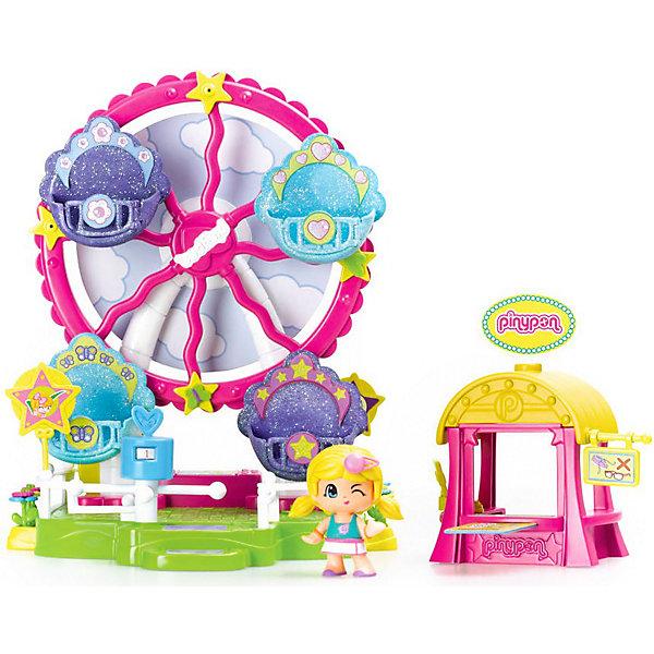 Игровой набор Пинипон - колесо обозрения, FamosaКуклы<br>Игровой набор Пинипон - колесо обозрения, Famosa (Фамоса).<br><br>Характеристики:<br><br>- В наборе: колесо обозрения, 1 кукла Пинипон, билетная касса, турникет, аксессуары<br>- Высота куклы: 7 см.<br>- Материал: высококачественная пластмасса<br>- Упаковка: картонная коробка<br>- Размер упаковки: 35,5х10х30 см.<br>- Игрушка предназначена для детей старше 4 лет<br><br>Игровой набор Колесо обозрения Пинипон испанского бренда Famosa (Фамоса) – это замечательный игровой набор для девочек, которым уже успели полюбиться очаровательные малютки Пинипон! Крутящееся колесо обозрения имеет четыре кабинки с открывающимися дверцами, куда можно посадить куколок и покатать их на чудо – колесе. Есть даже билетная касса и вертящийся турникет, который не позволит пройти безбилетникам! На обратной стороне аттракциона установлена игра Колесо фортуны. Игровой набор Колесо обозрения Пинипон позволит создать миниатюрный парк развлечений и обеспечит вашей девочке массу удовольствия во время увлекательного игрового процесса! Набор изготовлен из высококачественной пластмассы, которая совершенно безопасна для детского здоровья.<br><br>Игровой набор Пинипон - колесо обозрения, Famosa (Фамоса) можно купить в нашем интернет-магазине.<br><br>Ширина мм: 301<br>Глубина мм: 339<br>Высота мм: 111<br>Вес г: 941<br>Возраст от месяцев: 48<br>Возраст до месяцев: 72<br>Пол: Унисекс<br>Возраст: Детский<br>SKU: 3736091