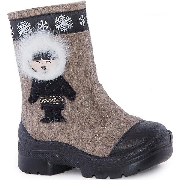 Валенки Эскимос для мальчика ФилипокВаленки<br>Характеристики товара:<br><br>• цвет: бежевый<br>• температурный режим: от -5° С до -30° С<br>• внешний материал: эко-войлок (натуральная шерсть)<br>• подкладка: натуральная овечья шерсть<br>• стелька: шерстяной войлок (3,5 мм)<br>• подошва: литая, полиуретан<br>• декорированы аппликацией<br>• подошва с анти скользящей с системой протектора anti slip<br>• застежка: молния<br>• защита носка - натуральная кожа с износостойкой пропиткой<br>• усиленная пятка<br>• толстая устойчивая подошва<br>• страна бренда: РФ<br>• страна изготовитель: РФ<br><br>Очень теплые и удобные валенки для ребенка от известного бренда детской обуви Филипок созданы специально для русской зимы. Качественные материалы с пропиткой против попадания воды внутрь и модный дизайн понравятся и малышам и их родителям. Подошва и стелька обеспечат ребенку комфорт, сухость и тепло, позволяя в полной мере наслаждаться зимним отдыхом. Усиленная защита пятки и носка обеспечивает дополнительную безопасность детских ног в этих сапожках.<br>Эта красивая и удобная обувь прослужит долго благодаря отличному качеству. Производитель анти скользящее покрытие и амортизирующие свойства подошвы! Модель производится из качественных и проверенных материалов, которые безопасны для детей.<br><br>Валенки Эскимос для мальчика от бренда Филипок можно купить в нашем интернет-магазине.<br><br>Ширина мм: 257<br>Глубина мм: 180<br>Высота мм: 130<br>Вес г: 420<br>Цвет: бежевый<br>Возраст от месяцев: 72<br>Возраст до месяцев: 84<br>Пол: Мужской<br>Возраст: Детский<br>Размер: 30,26,24,27,25,23,22,28,29<br>SKU: 3756740