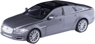 Модель машины 1:24 Jaguar XJ, Welly
