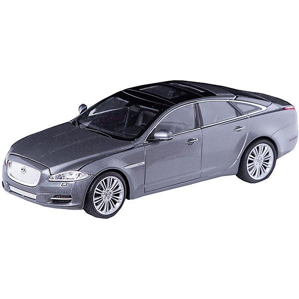Модель машины 1:24 Jaguar XJ, WellyМашинки<br>Модель машины Jaguar XJ от Welly (Велли) станет замечательным подарком для автолюбителей всех возрастов. В коллекции масштабных моделей Welly представлено все многообразие автотехники: ретро-автомобили, легковые автомобили различных марок, грузовики, автомобили городских служб и многое другое. Все машинки отличаются высокой степенью детализации и тщательной проработкой всех элементов.<br><br>Машинка Jaguar XJ серебристого цвета - это точная копия оригинального представительского автомобиля в масштабе 1:24. Роскошный британский автомобиль Jaguar XJ был выпущен в 2009 году и отличается футуристическим дизайном кузова, стремительностью и скоростью. Модель от Welly оснащена прочными стеклами и зеркалами заднего вида, интерьер салона, двигатель и органы управления тщательно проработаны. Двери, багажник и капот открываются, руль и колеса поворачиваются. Корпус машинки выполнен из металла, а отделка салона и декоративные элементы из пластика.<br><br>Дополнительная информация:<br><br>- Материал: металл, пластик, колеса прорезиненные.<br>- Масштаб: 1:24.<br>- Размер модели: 5 х 18 х 8 см.<br>- Размер упаковки: 11 х 23 х 10 см.<br>- Вес: 0,6 кг. <br><br>Модель машины Jaguar XJ, Welly можно купить в нашем интернет-магазине.<br><br>Ширина мм: 230<br>Глубина мм: 110<br>Высота мм: 110<br>Вес г: 556<br>Возраст от месяцев: 36<br>Возраст до месяцев: 192<br>Пол: Мужской<br>Возраст: Детский<br>SKU: 3777889