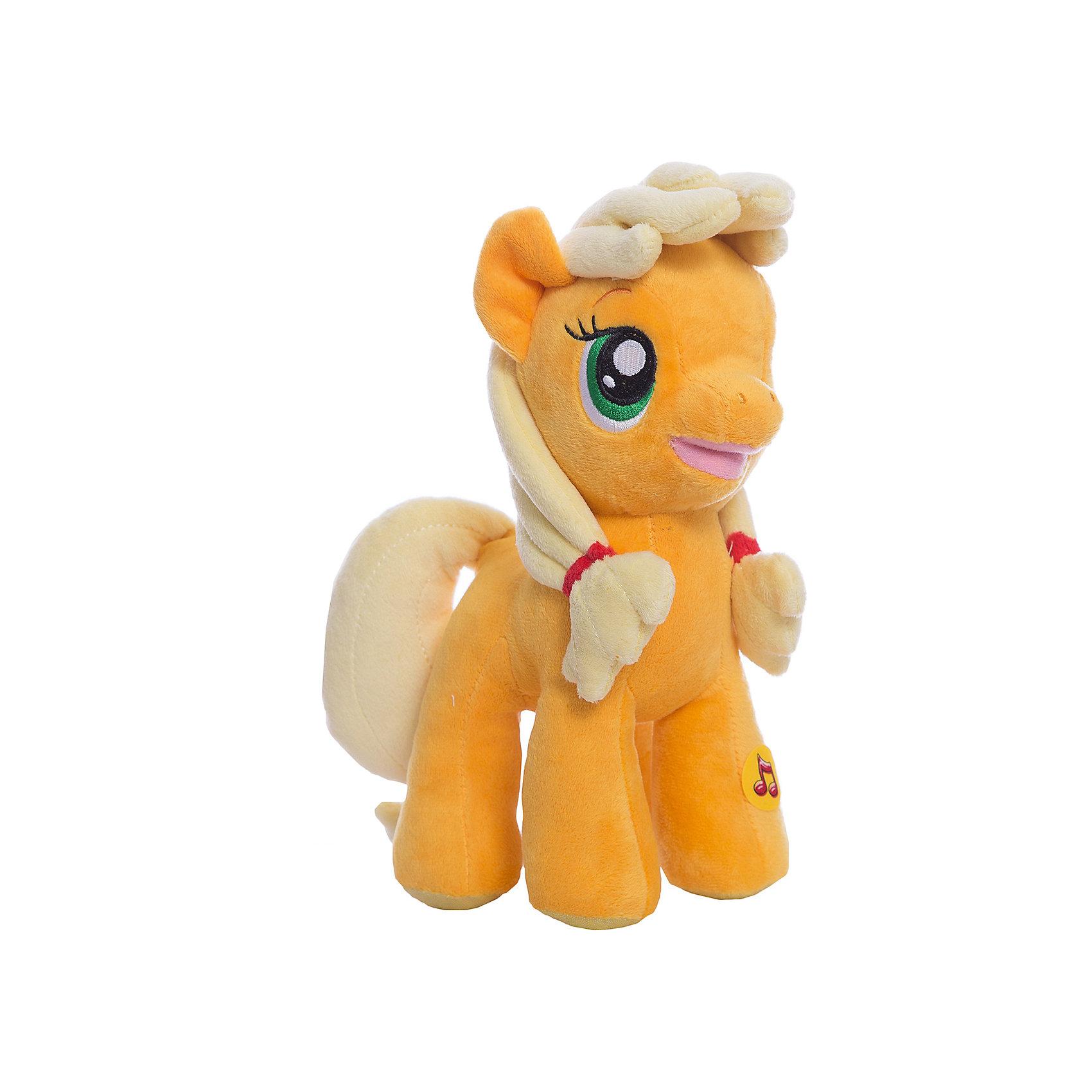 Пони Эпл Джек, со светом и звуком, My little Pony, МУЛЬТИ-ПУЛЬТИМягкая игрушка Пони Эпл Джек, My little Pony от Мульти-Пульти станет замечательным подарком для Вашего ребенка. Пони Эпл Джек (Applejack) - героиня популярного мультсериала Мой маленький пони (My Little Pony) о сказочном городке Понивилле населенном волшебными очаровательными пони, это трудолюбивая честная лошадка, она живет на ферме и выращивает яблоки. Внешний вид<br>игрушки полностью соответствует своему персонажу, у лошадки светло-желтые грива и хвост и мягкая оранжевая шерстка. Лошадка озвучена: если нажать ей на лапку она будет произносит фразы и споет песенку из мультфильма. Во время звучания фразы или песенки у пони подсвечивается носик.<br><br>Дополнительная информация:<br><br>- Материал: текстиль, синтепон.<br>- Требуются батарейки: 3 х LR44 (входят в комплект).<br>- Высота лошадки: 23 см.<br>- Размер упаковки: 26 x 12 x 13 см.<br>- Вес: 0,28 кг.<br><br>Мягкую игрушку Пони Эпл Джек, My little Pony (Моя маленькая Пони), Мульти-Пульти можно купить в нашем интернет-магазине.<br><br>Ширина мм: 250<br>Глубина мм: 110<br>Высота мм: 400<br>Вес г: 290<br>Возраст от месяцев: 6<br>Возраст до месяцев: 60<br>Пол: Женский<br>Возраст: Детский<br>SKU: 3778133