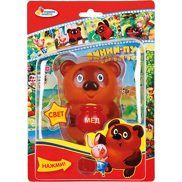 Винни-Пух, со светом, Играем вместеИгрушки<br>Игрушка Винни-Пух, Играем вместе развлечет и позабавит Вашего малыша. Добрый, забавный медвежонок  очень похож на своего сказочного персонажа из отечественного мультфильма о Винни-Пухе, он такой же пухленький, а в лапках держит горшочек с медом. Игрушка обладает световым эффектом.<br><br>Дополнительная информация:<br><br>- Для работы необходимы батарейки<br>- Материал: пластик.<br>- Размер упаковки: 14 x 8 x 20 см. <br>- Вес: 130 гр.<br><br>Игрушку Винни-Пух, Играем вместе можно купить в нашем интернет-магазине.<br><br>Ширина мм: 140<br>Глубина мм: 80<br>Высота мм: 200<br>Вес г: 130<br>Возраст от месяцев: 6<br>Возраст до месяцев: 36<br>Пол: Унисекс<br>Возраст: Детский<br>SKU: 3778149