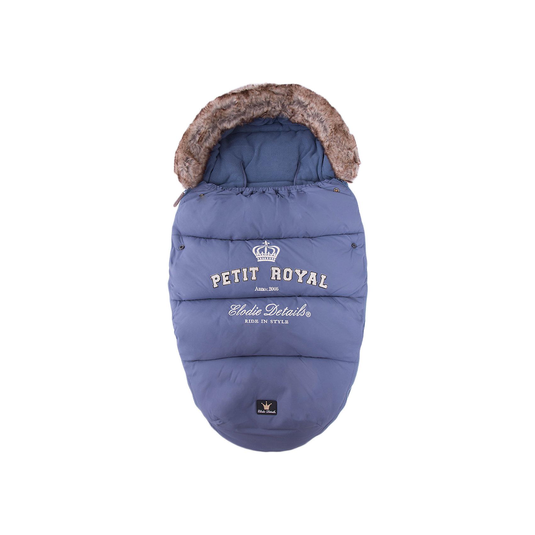 Конверт зимний с опушкой Petit Royal Blue, Elodie DetailsЗимние конверты<br>Конверт зимний с опушкой Petit Royal Blue, Elodie Details (Элоди Дитейлс)<br><br>Характеристики:<br><br>• водо- и ветронепроницаемый материал<br>• теплая флисовая подкладка<br>• верх-капюшон<br>• молния с двух сторон<br>• прорези для 4-точечных ремней безопасности<br>• подходит для всех колясок, в том числе прогулочных<br>• размер: 53х110 см<br>• материал верха: нейлон<br>• материал подкладки: флис<br>• подходит для ручной и автоматической стирки<br>• цвет: синий<br><br>Каждая прогулка должна проходить с комфортом для малыша. Зимний конверт Petit Royal защитит кроху от мороза и холодного ветра. Верх конверта изготовлен из нейлона, который не пропустит воду и ветер внутрь. Подкладка из мягкого флиса согреет малыша и сохранит тепло в течение всей прогулки. Верх конверта можно использовать в качестве капюшона, защищающего от холодного и сильного ветра. Конверт имеет удобную форму и не стесняет движений ребенка. Кроме того, конверт отлично подходит для всех колясок, в том числе и прогулочных. Подарите малышу уют и тепло во время зимних прогулок!<br><br>Конверт зимний с опушкой Petit Royal Blue, Elodie Details (Элоди Дитейлс) вы можете купить в нашем интернет-магазине.<br><br>Ширина мм: 1100<br>Глубина мм: 530<br>Высота мм: 60<br>Вес г: 900<br>Возраст от месяцев: 0<br>Возраст до месяцев: 12<br>Пол: Мужской<br>Возраст: Детский<br>SKU: 3783522