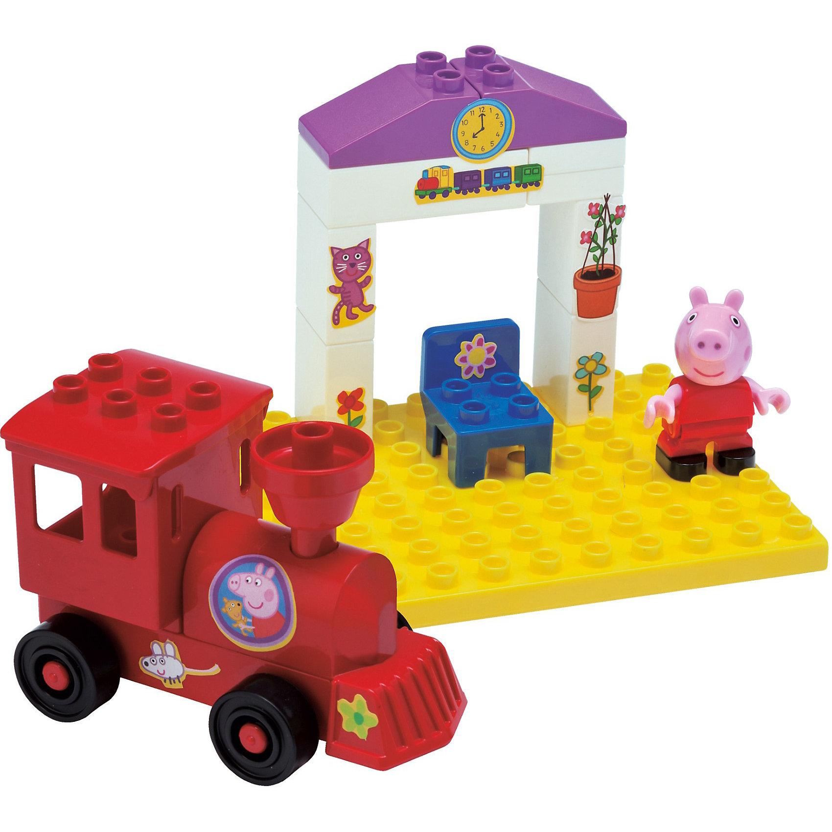 Конструктор Поезд с остановкой, Свинка Пеппа, 15 деталейИгрушки<br>Конструктор Поезд с остановкой, Свинка Пеппа обязательно понравится всем любителям маленькой свинки. Набор включает в себя паровозик дяди Свина, остановку, фигурку свинки Пеппы. Детали конструктора имеют размер, идеально подходящий для маленьких детских ручек. Изготовлены из высококачественного пластика, не имеют острых углов, безопасны для ребенка. Благодаря хорошо проработанным креплениям, конструктор легко собирается и разбирается, детали быстро и прочно крепятся друг к другу. Игра с конструктором развивает  творческие способности, мелкую моторику, навыки конструирования, внимание.<br><br>Дополнительная информация:<br><br>- Комплектация: паровозик, фигурка свинки, стул, остановка, панель, на которую крепятся детали.<br>- Количество деталей: 15 шт.<br>- Материал: пластик<br>- Размер коробки: 19 x 11 x 9.4 см.<br>- Детали совместимы с Lego Duplo<br><br>Конструктор Поезд с остановкой, Свинка Пеппа (Peppa Pig) можно купить в нашем магазине.<br><br>Ширина мм: 194<br>Глубина мм: 121<br>Высота мм: 96<br>Вес г: 272<br>Возраст от месяцев: 18<br>Возраст до месяцев: 36<br>Пол: Унисекс<br>Возраст: Детский<br>SKU: 3787586